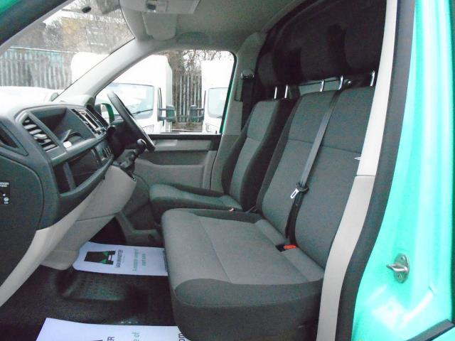 2017 Volkswagen Transporter T28 LWB DIESEL 2.0 BMT 84 STARTLINE VAN EURO  6 (SB67MYG) Image 14