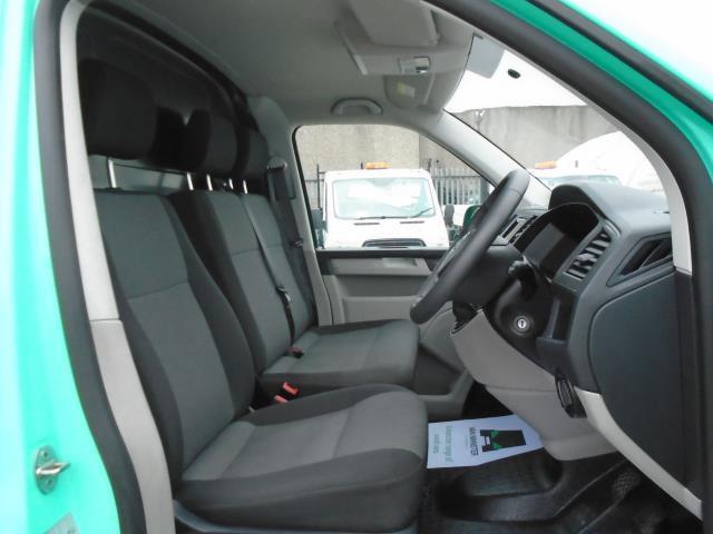 2017 Volkswagen Transporter T28 LWB DIESEL 2.0 BMT 84 STARTLINE VAN EURO  6 (SB67MYG) Image 16