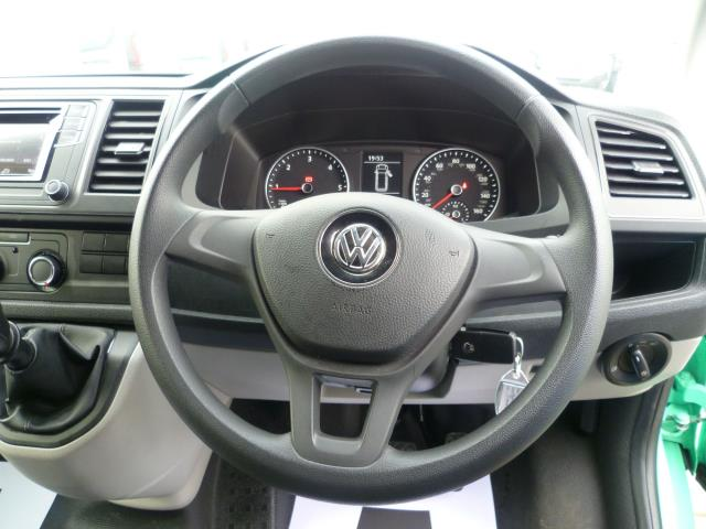 2017 Volkswagen Transporter T28 LWB DIESEL 2.0 TDI BMT 84 STARTLINE VAN EURO 6 (SB67NLV) Image 21