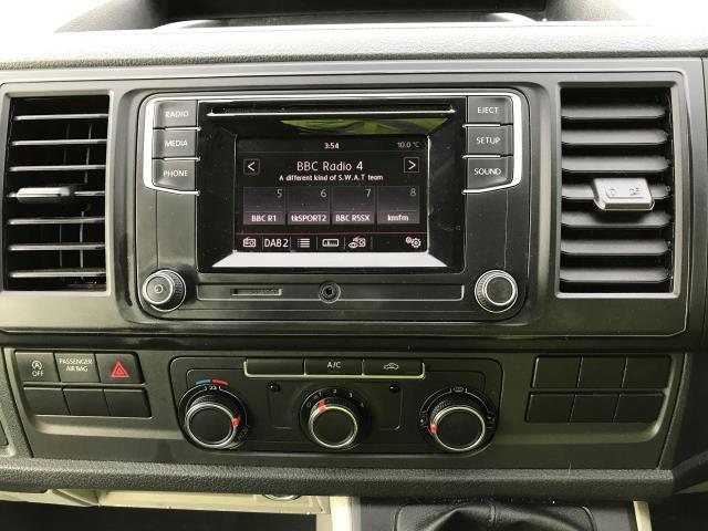 2017 Volkswagen Transporter T28 LWB DIESEL 2.0TDI BMT 84PS STARTLINE VAN EURO 6, AIR CON (SB67NLX) Image 3