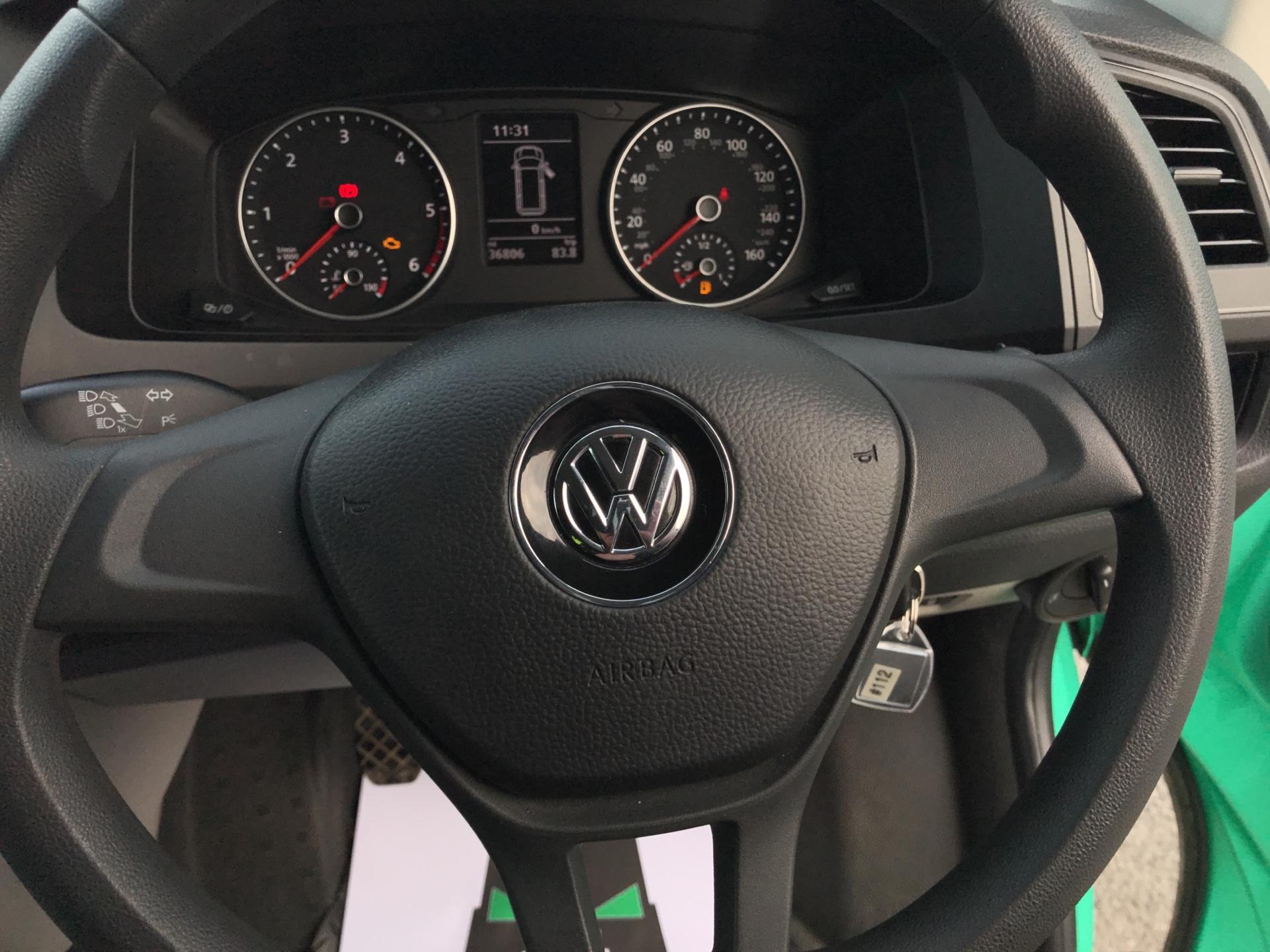 2018 Volkswagen Transporter T28 LWB DIESEL 2.0 TDI BMT 84 STARTLINE VAN EURO 6 (SB67WTO) Image 12