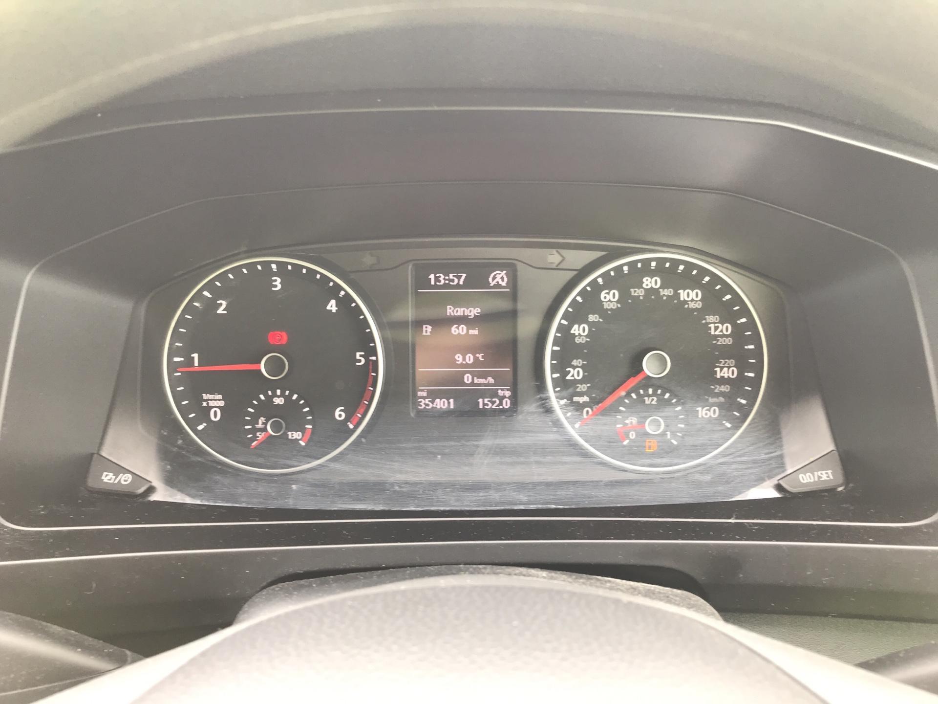 2018 Volkswagen Transporter T28 LWB DIESEL 2.0 TDI BMT 84 STARTLINE VAN EURO 6. AIR CON (SB67WTR) Image 13
