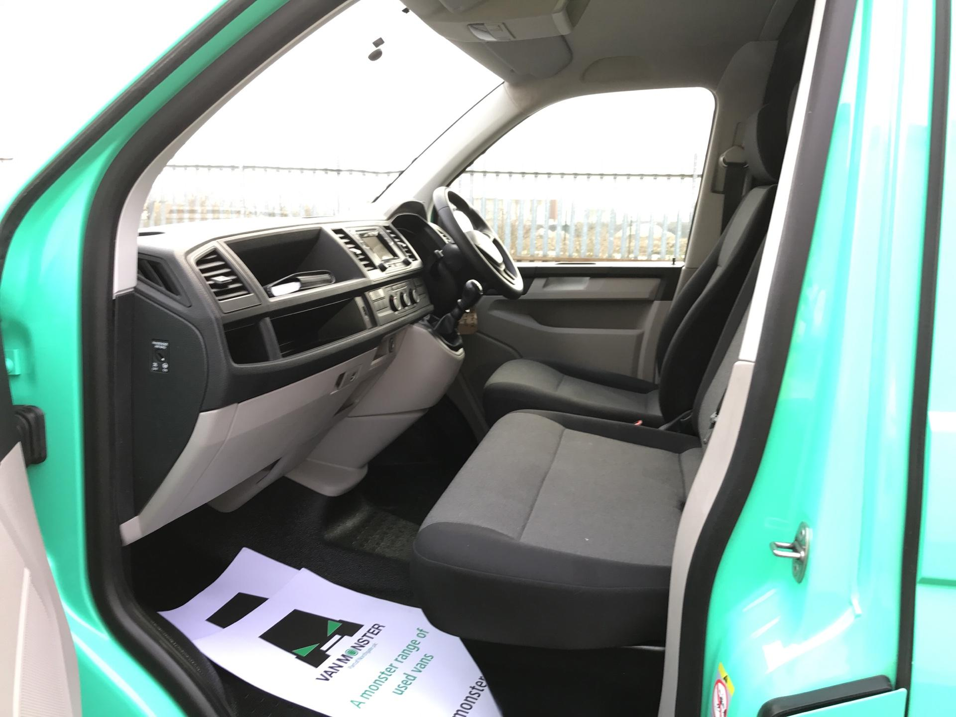 2018 Volkswagen Transporter T28 LWB DIESEL 2.0TDI BMT 84PS STARTLINE VAN EURO 6, AIR CON (SB67WTX) Image 14