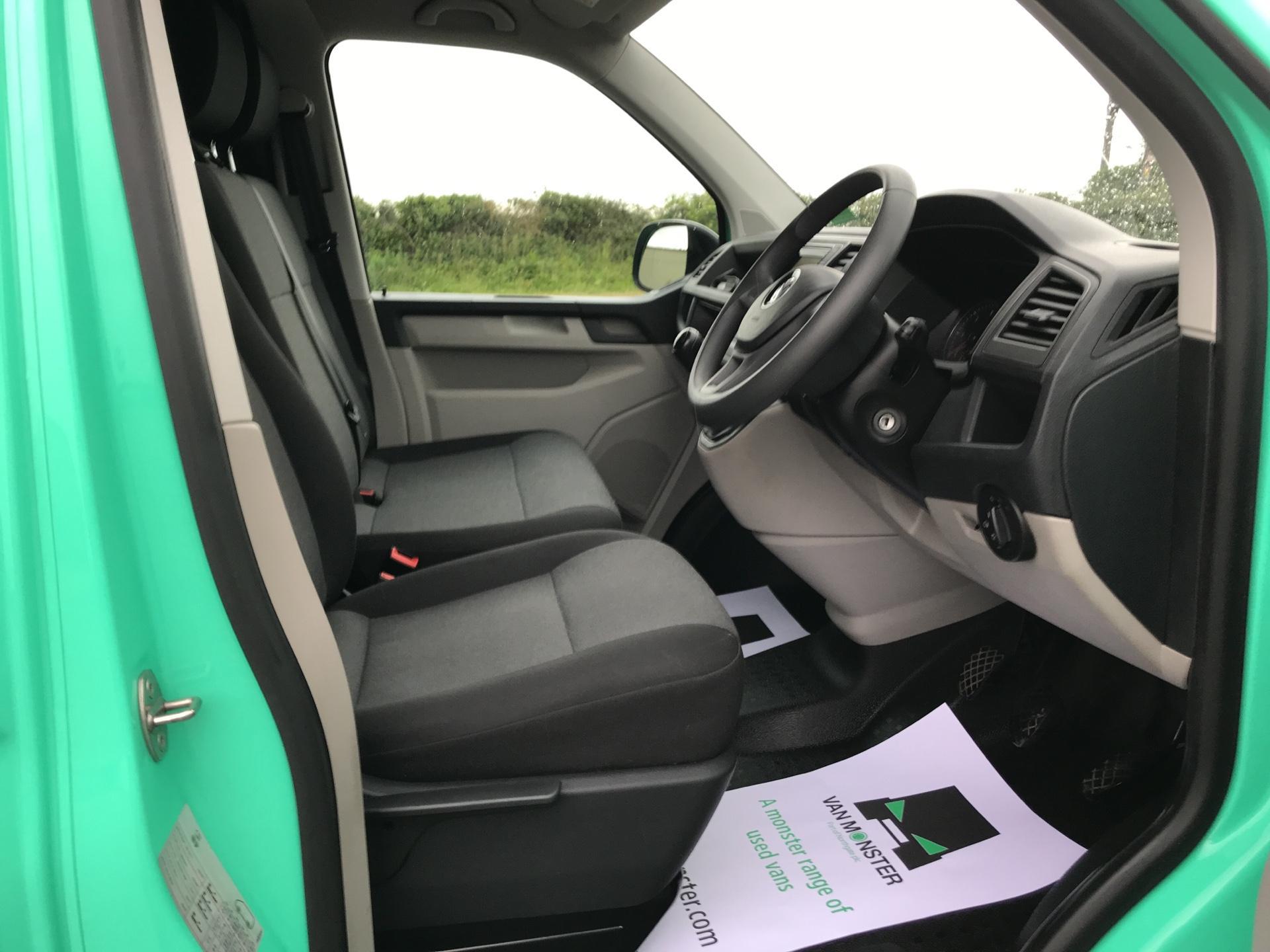2018 Volkswagen Transporter 2.0TDI BMT 84PS STARTLINE EURO 6 AIR CON   (SB67WZN) Image 9