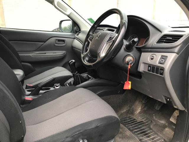 2017 Mitsubishi L200 DOUBLE CAB DI-D 151PS 4LIFE EURO 6 (SC17NYM) Image 14