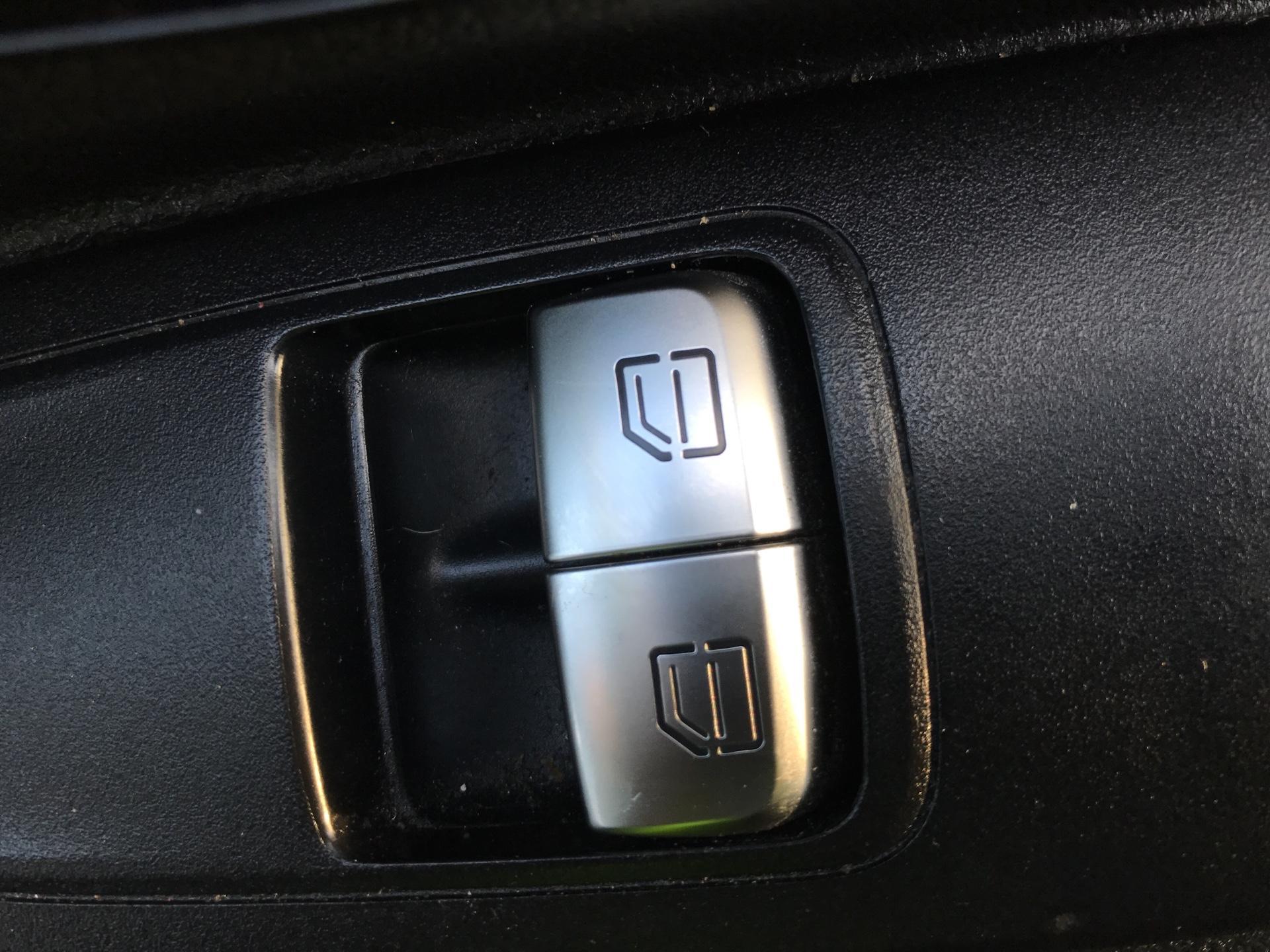 2016 Mercedes-Benz Vito 114CDI VAN EURO 6  (SD66GJF) Image 15