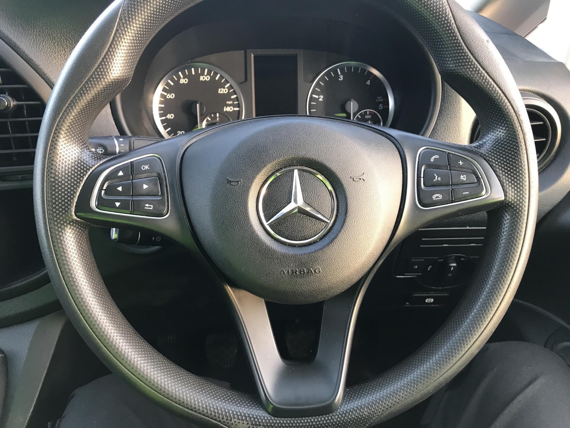 2016 Mercedes-Benz Vito 114CDI VAN EURO 6  (SD66GJF) Image 12