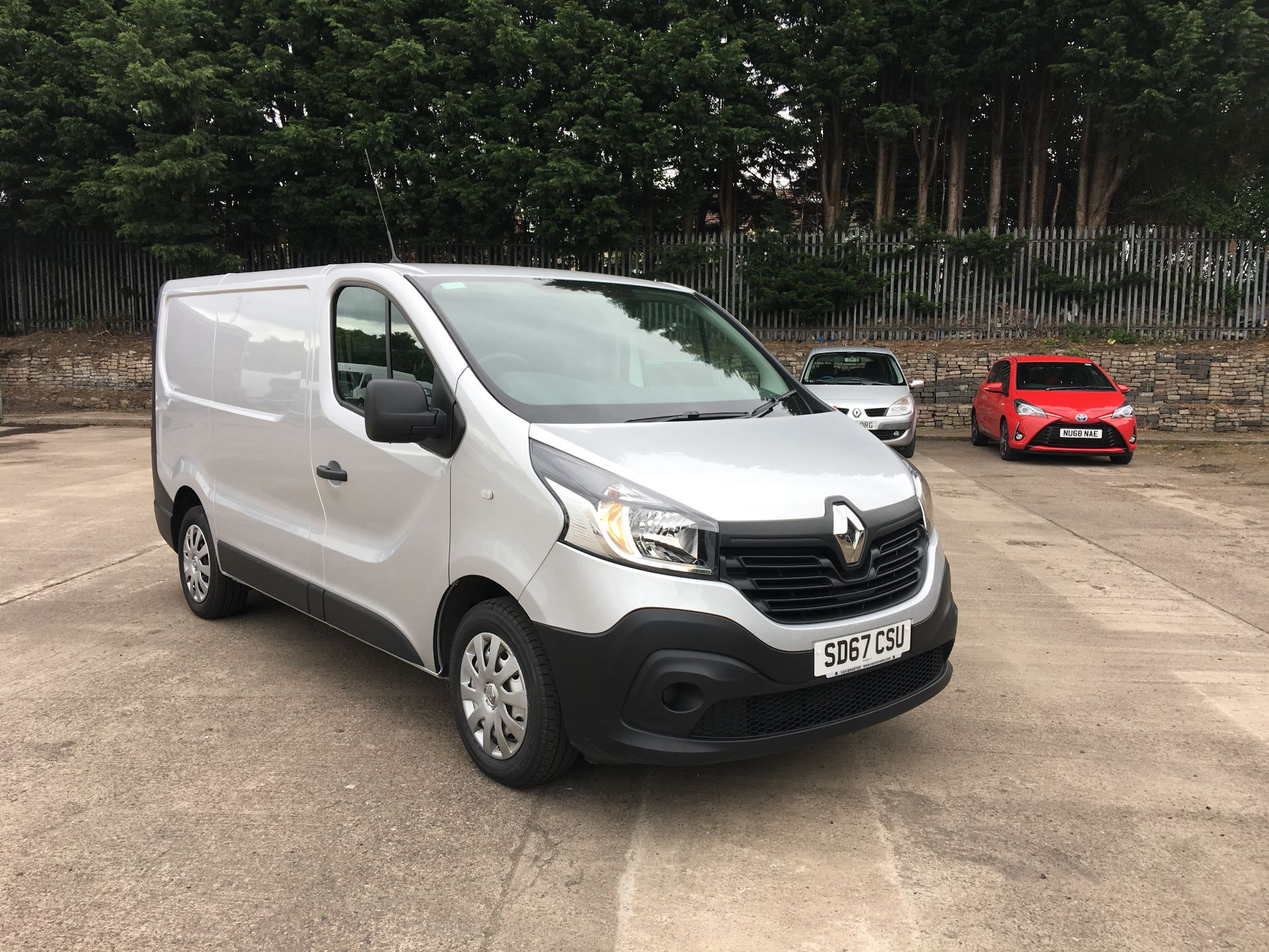 2017 Renault Trafic SL27 DCI 120PS BUSINESS VAN EURO 6 (SD67CSU) Thumbnail 1