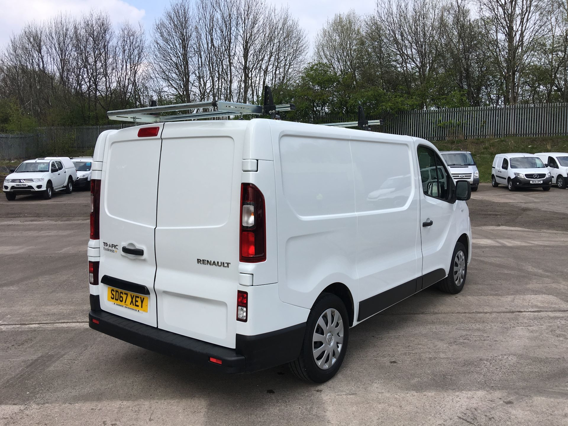 2017 Renault Trafic SL27 DCI 120PS BUSINESS+ VAN EURO 6 (SD67XEY) Image 10