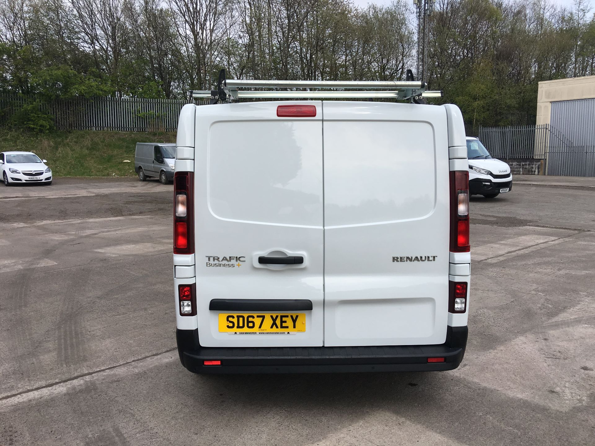 2017 Renault Trafic SL27 DCI 120PS BUSINESS+ VAN EURO 6 (SD67XEY) Image 11
