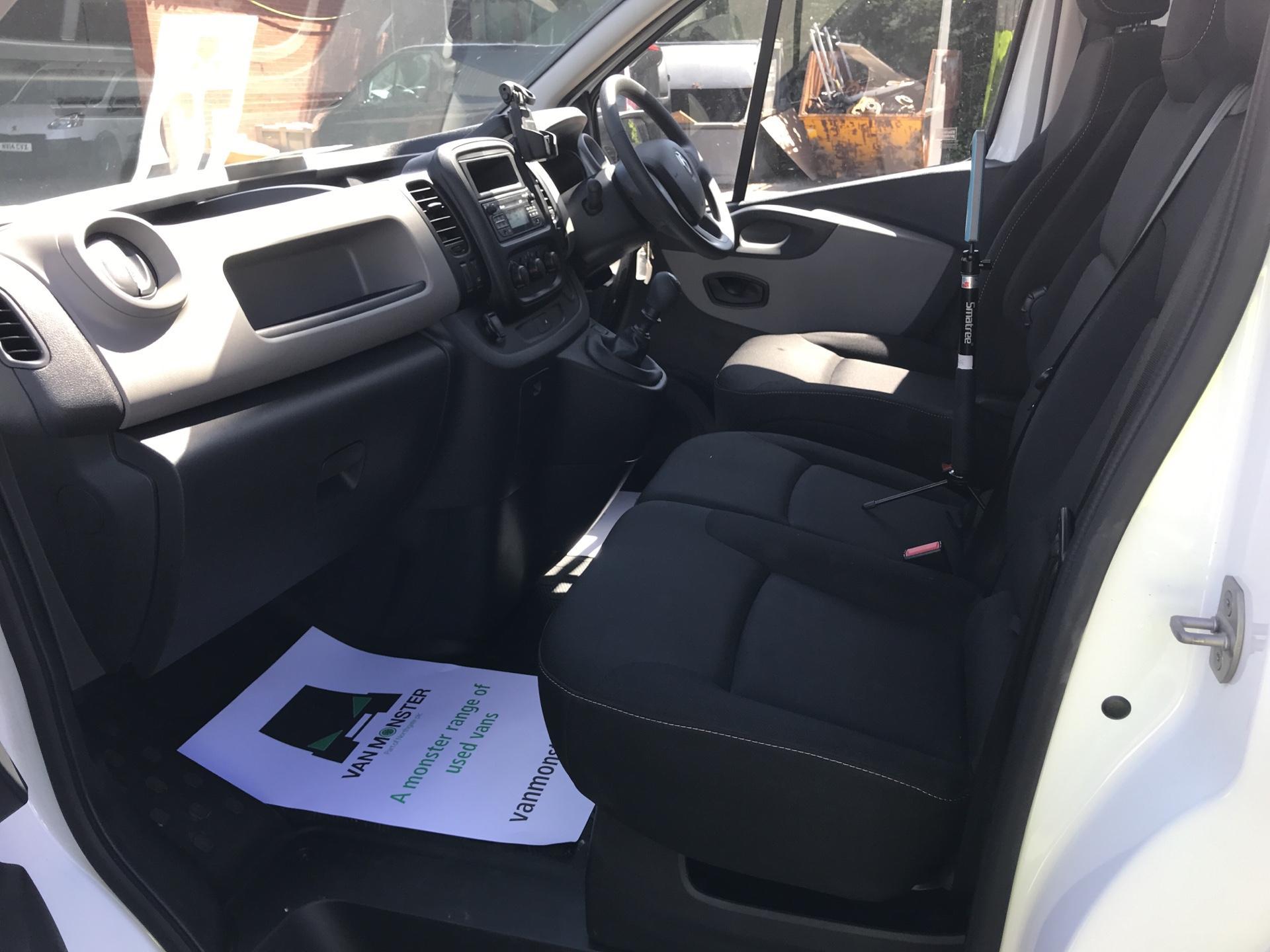 2017 Renault Trafic Sl27 Dci 120 Business+ Van EURO 6 (SE17CXC) Image 14