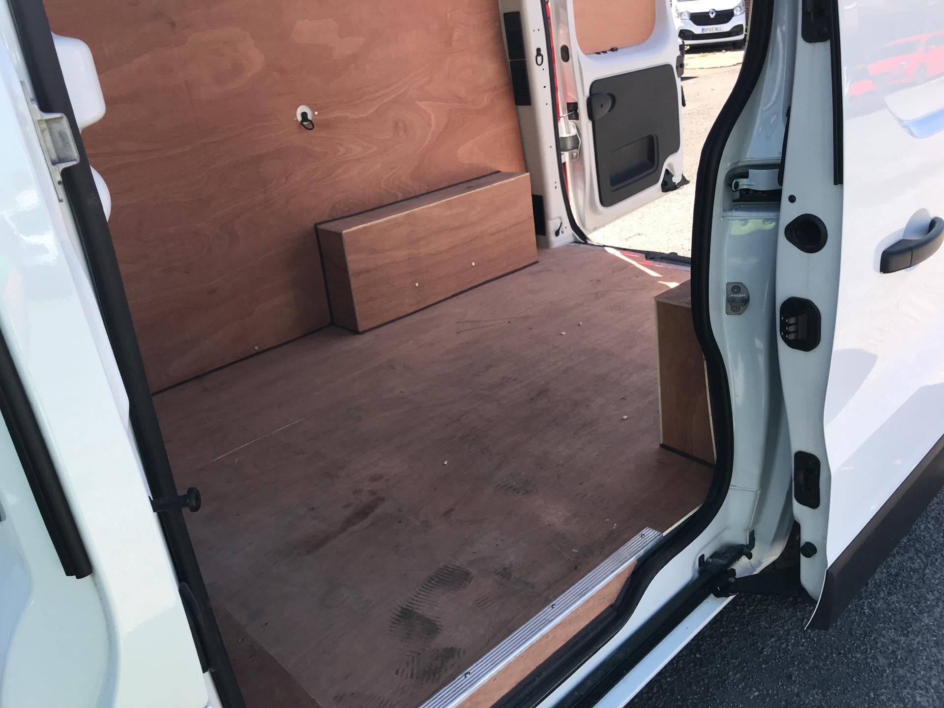 2017 Renault Trafic Sl27 Dci 120 Business+ Van EURO 6 (SE17CXC) Image 16