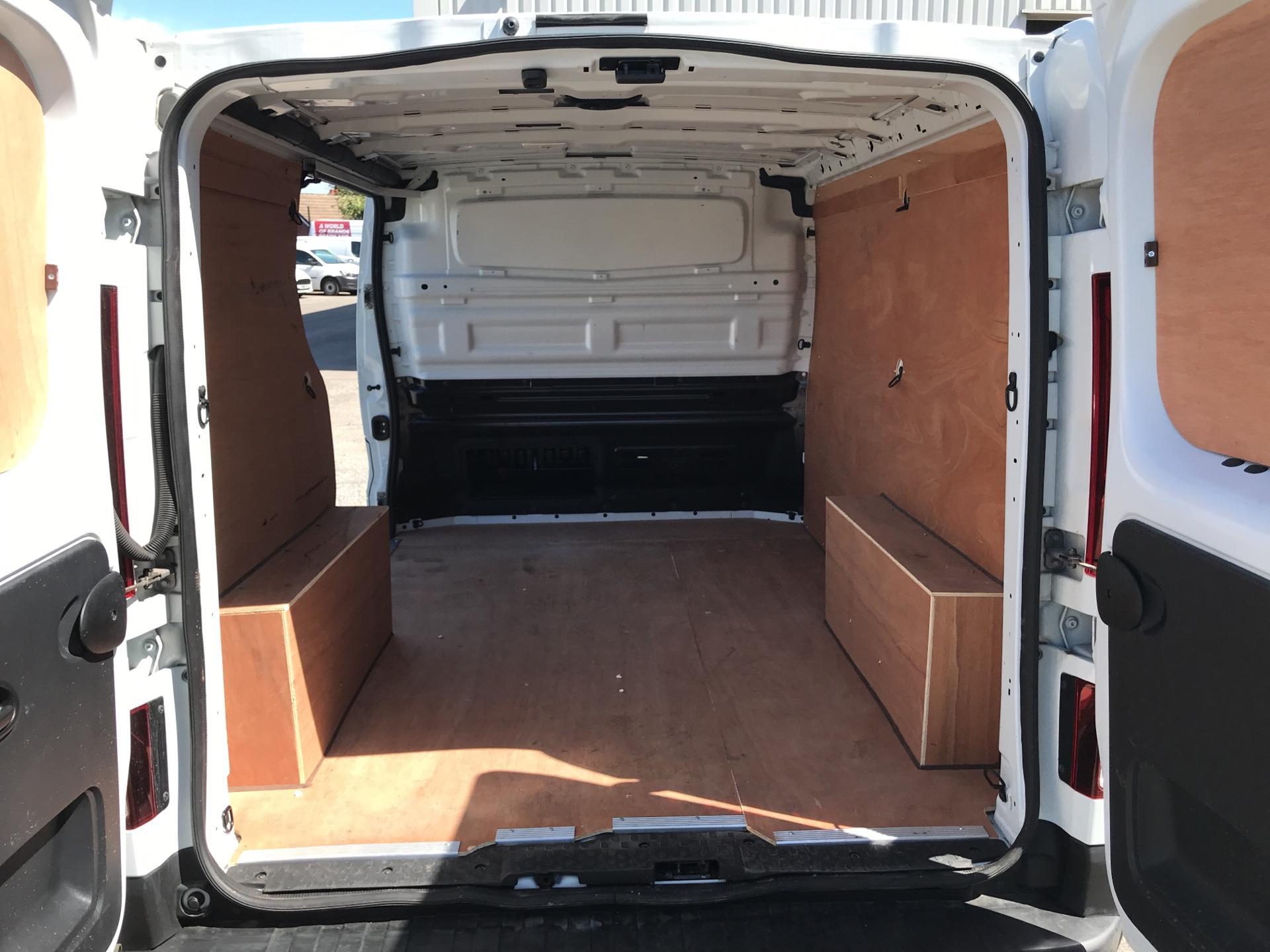 2017 Renault Trafic Sl27 Dci 120 Business+ Van EURO 6 (SE17CXC) Image 15