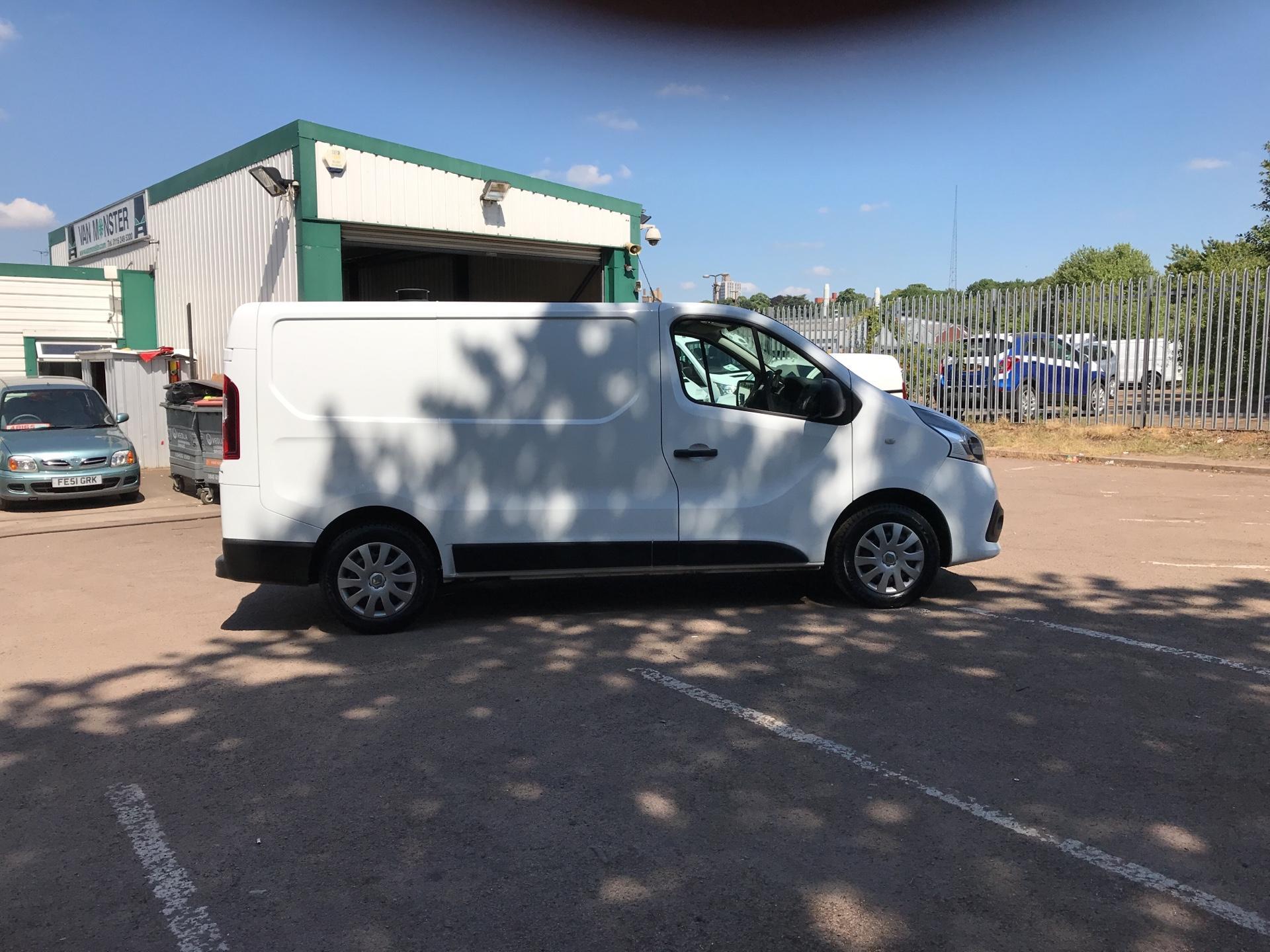 2017 Renault Trafic Sl27 Energy Dci 125 Business Van (SE17CXW) Image 2