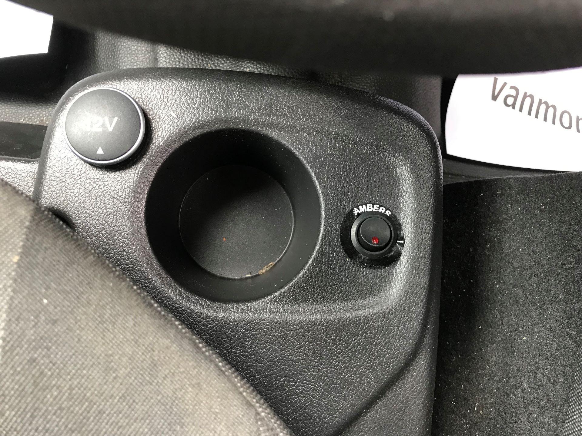 2017 Ford Transit Connect 1.0 100Ps Trend Van euro 6  (SE17XZT) Image 20