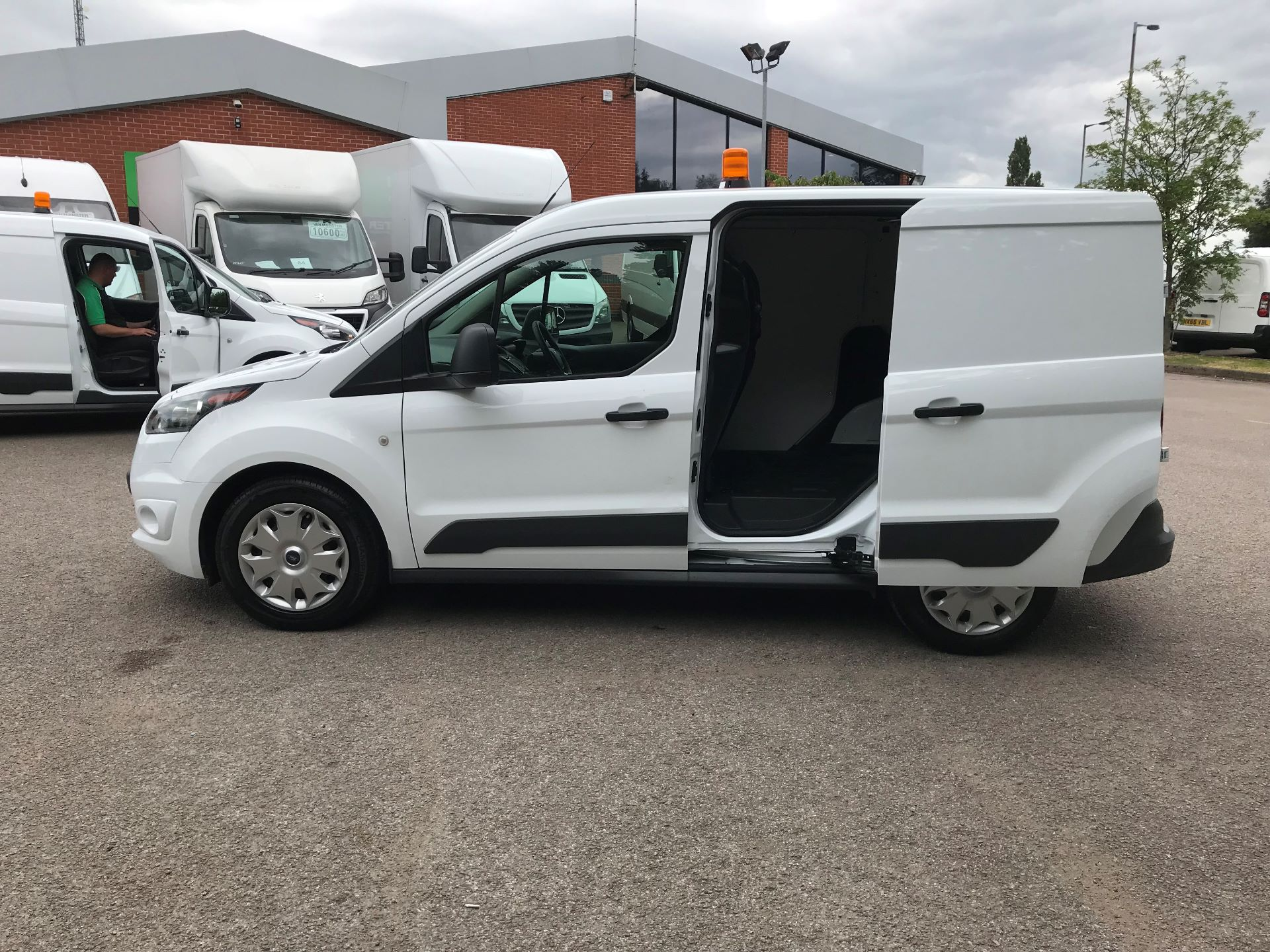 2017 Ford Transit Connect 1.0 100Ps Trend Van euro 6 (SE17YAG) Image 15
