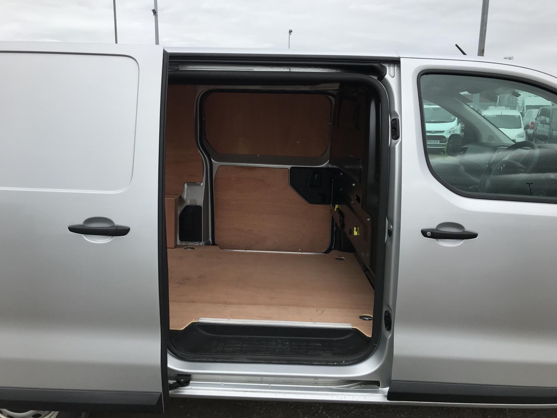 2017 Citroen Dispatch 1400 2.0 BLUE HDI ENTERPRISE 120 VAN (SF17XRT) Image 20