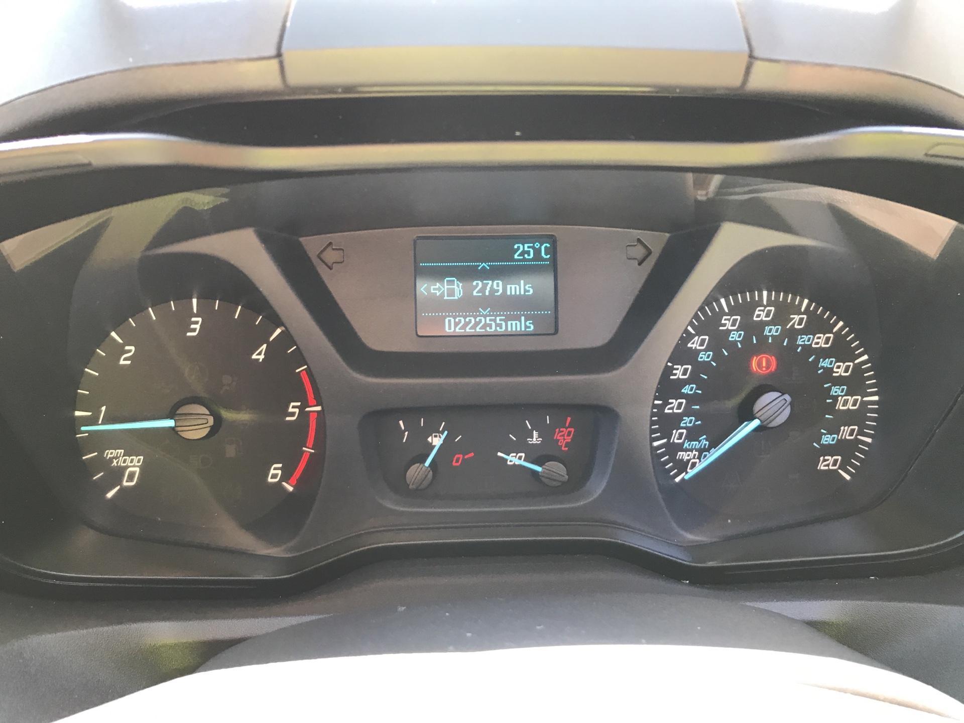 2014 Ford Transit Custom 270 L1 DIESEL FWD 2.2 Tdci 100Ps Low Roof Van EURO 5 (SG64ZHB) Image 13