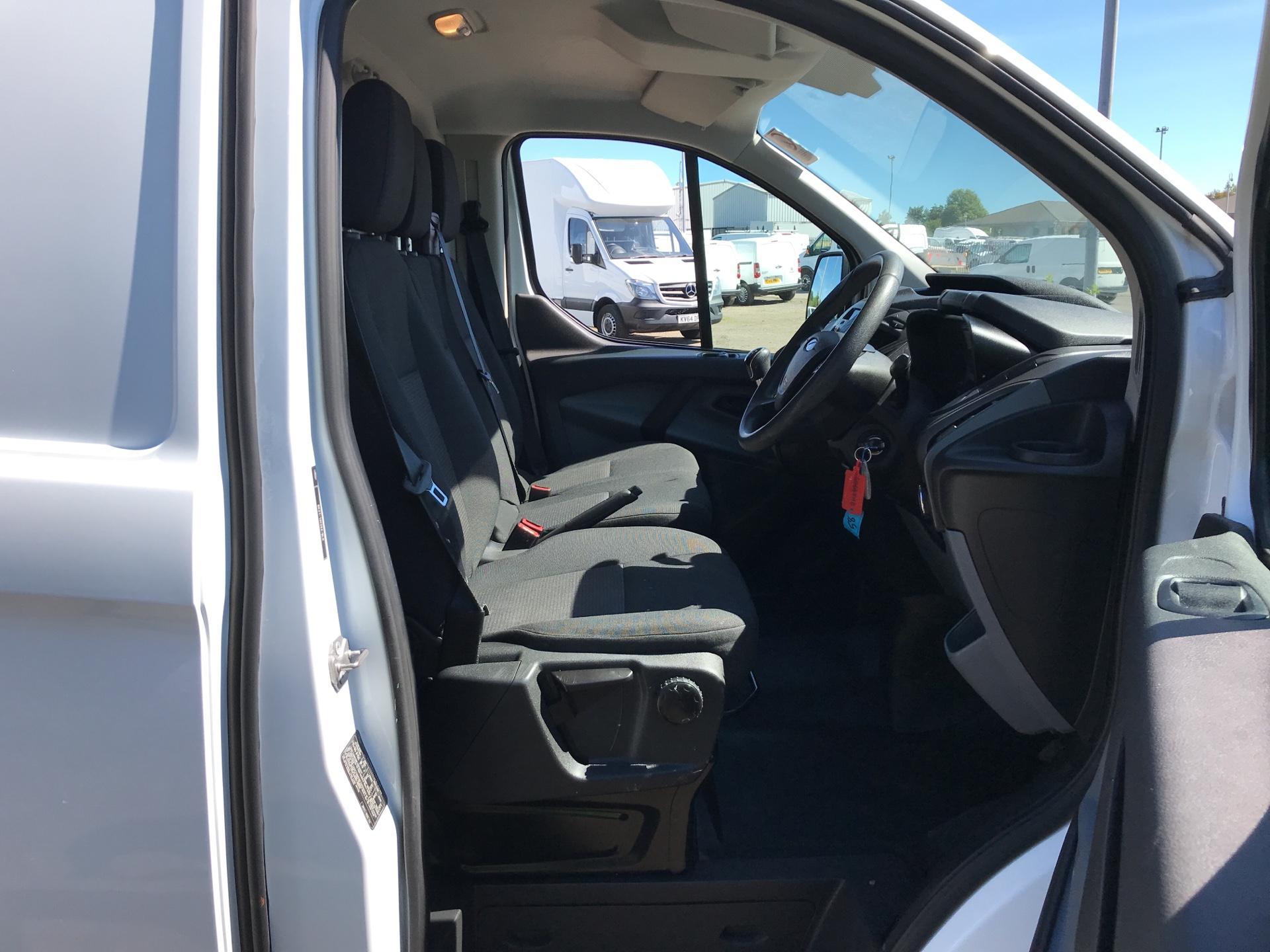 2014 Ford Transit Custom 270 L1 DIESEL FWD 2.2 Tdci 100Ps Low Roof Van EURO 5 (SG64ZHB) Image 9
