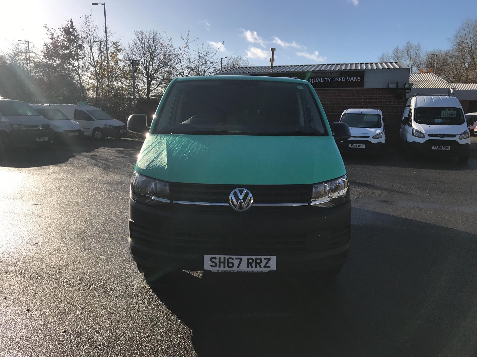 2017 Volkswagen Transporter T28 LWB DIESEL 2.0 TDI BMT 84 STARTLINE VAN EURO 6 (SH67RRZ) Image 8