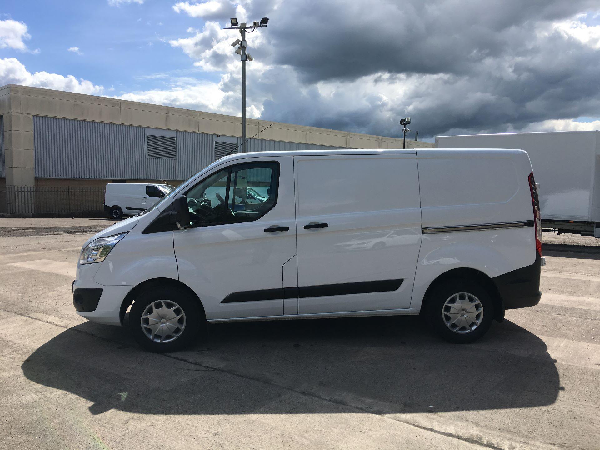 2018 Ford Transit Custom 290 L1 DIESEL FWD 2.0 TDCI 105PS LOW ROOF TREND EURO 6 (SH67VDK) Image 13