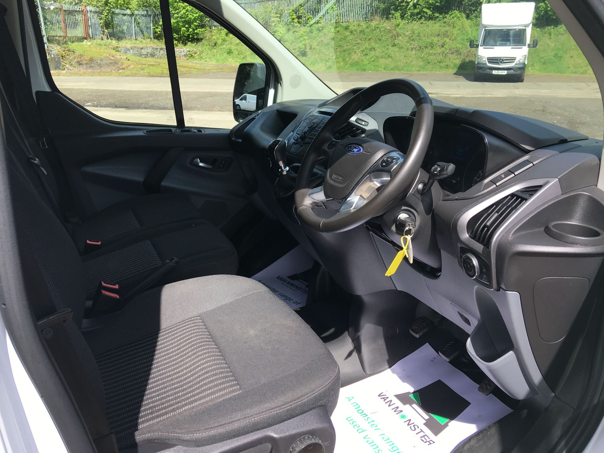 2018 Ford Transit Custom 290 L1 DIESEL FWD 2.0 TDCI 105PS LOW ROOF TREND EURO 6 (SH67VDK) Image 2