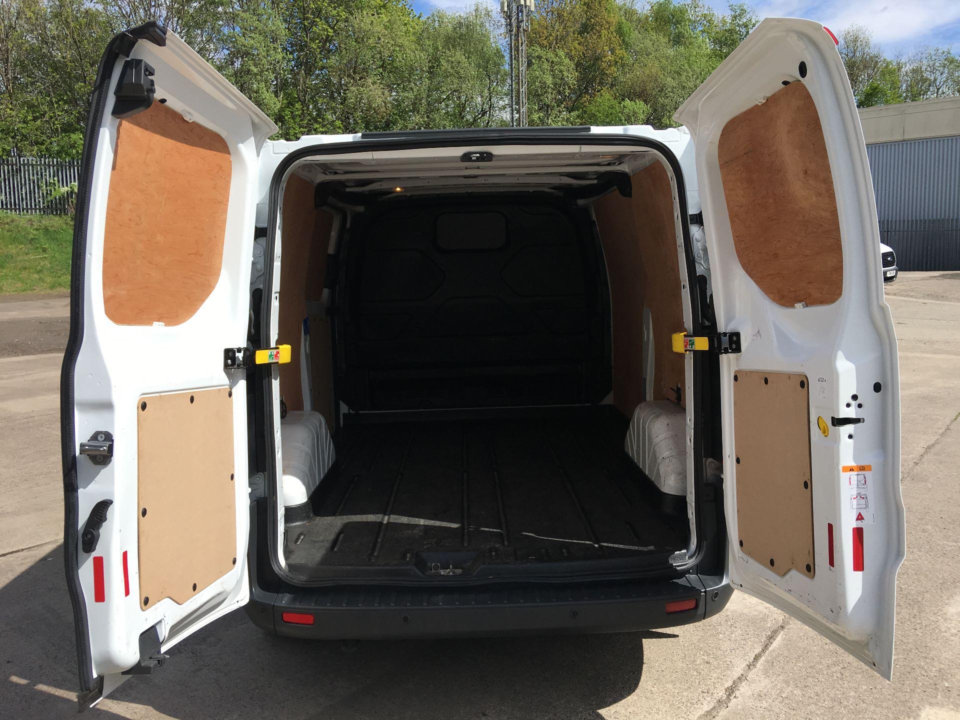 2018 Ford Transit Custom 290 L1 DIESEL FWD 2.0 TDCI 105PS LOW ROOF TREND EURO 6 (SH67VDK) Image 19