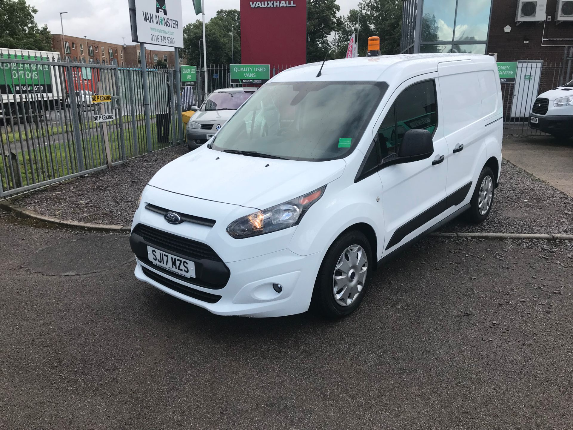 2017 Ford Transit Connect 200 L1 1.0 100PS TREND (PETROL) (SJ17MZS) Image 9