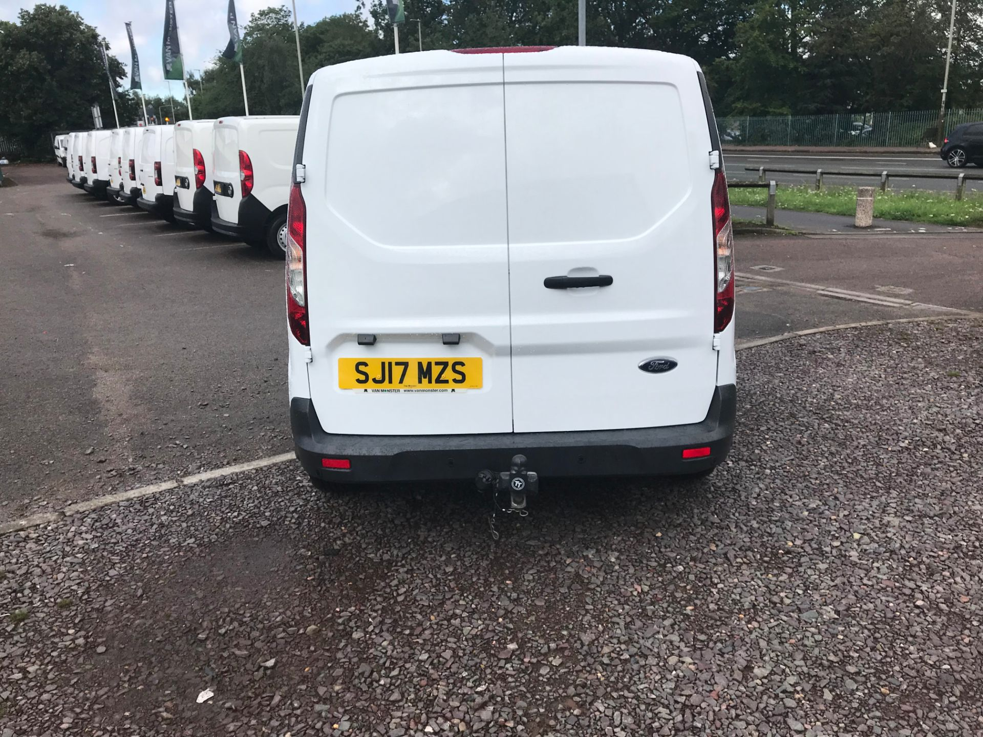 2017 Ford Transit Connect 200 L1 1.0 100PS TREND (PETROL) (SJ17MZS) Image 4