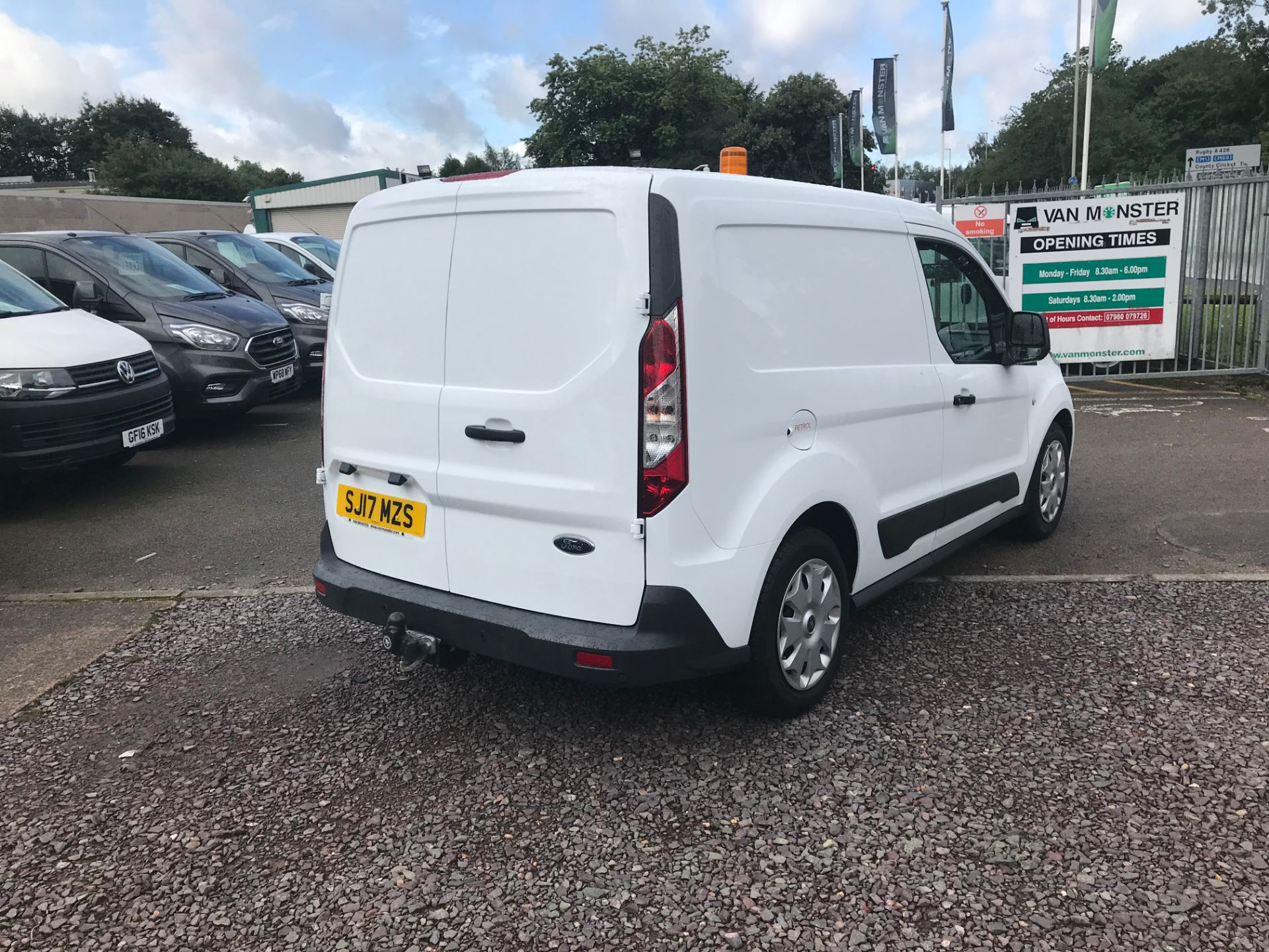2017 Ford Transit Connect 200 L1 1.0 100PS TREND (PETROL) (SJ17MZS) Image 3