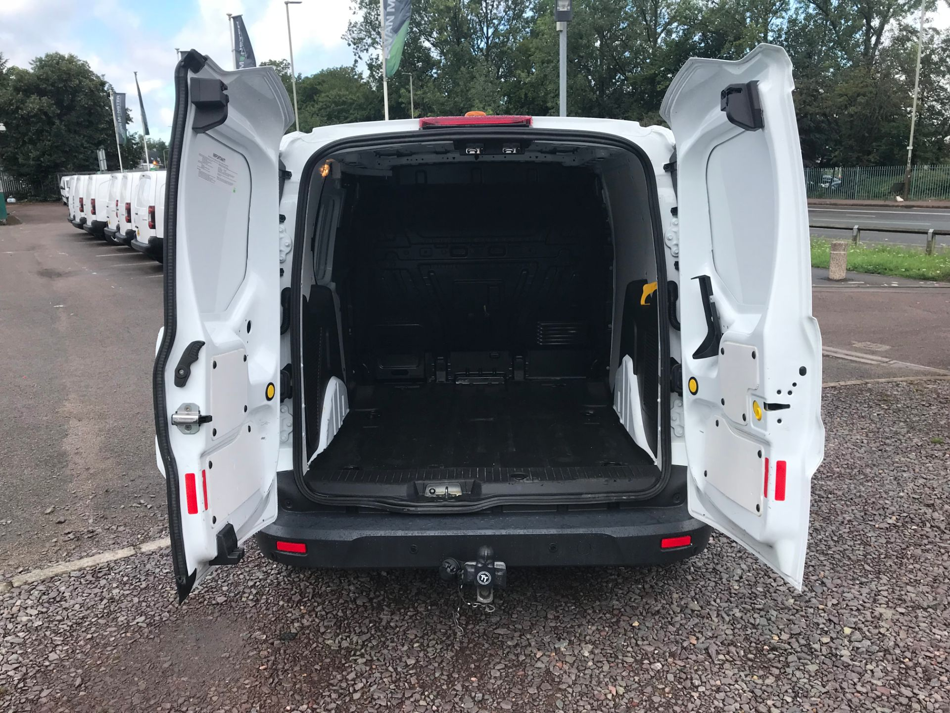 2017 Ford Transit Connect 200 L1 1.0 100PS TREND (PETROL) (SJ17MZS) Image 5