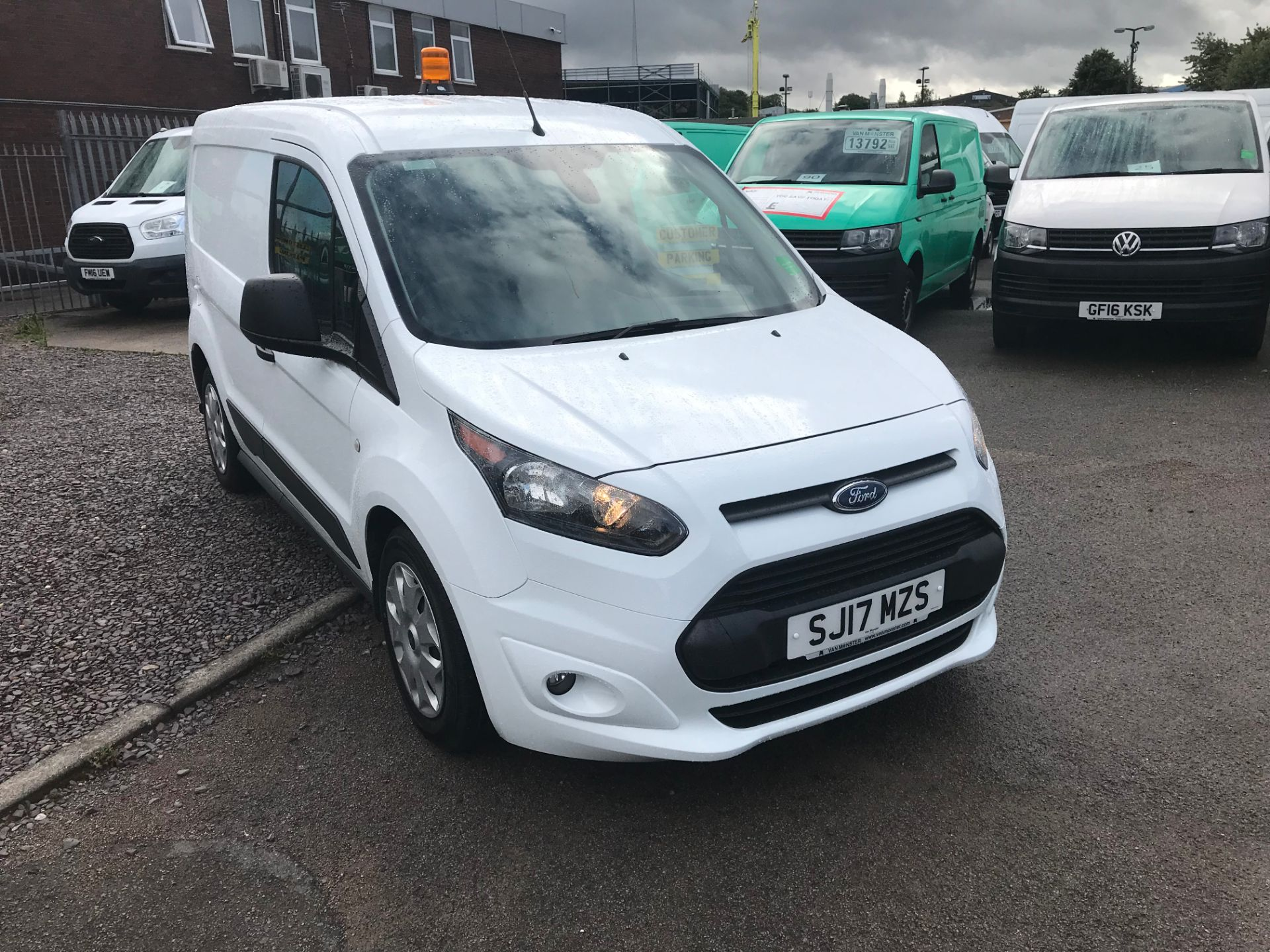 2017 Ford Transit Connect 200 L1 1.0 100PS TREND (PETROL) (SJ17MZS) Image 1