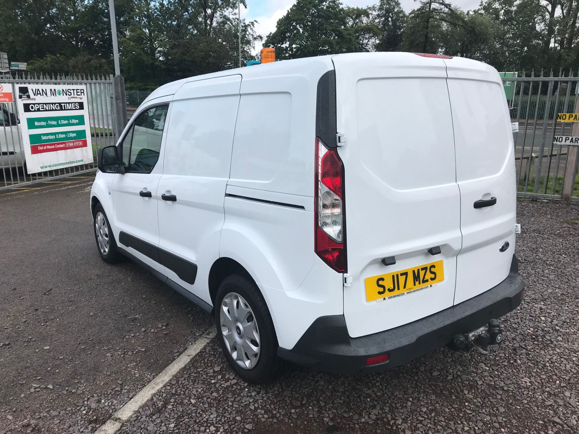 2017 Ford Transit Connect 200 L1 1.0 100PS TREND (PETROL) (SJ17MZS) Image 6