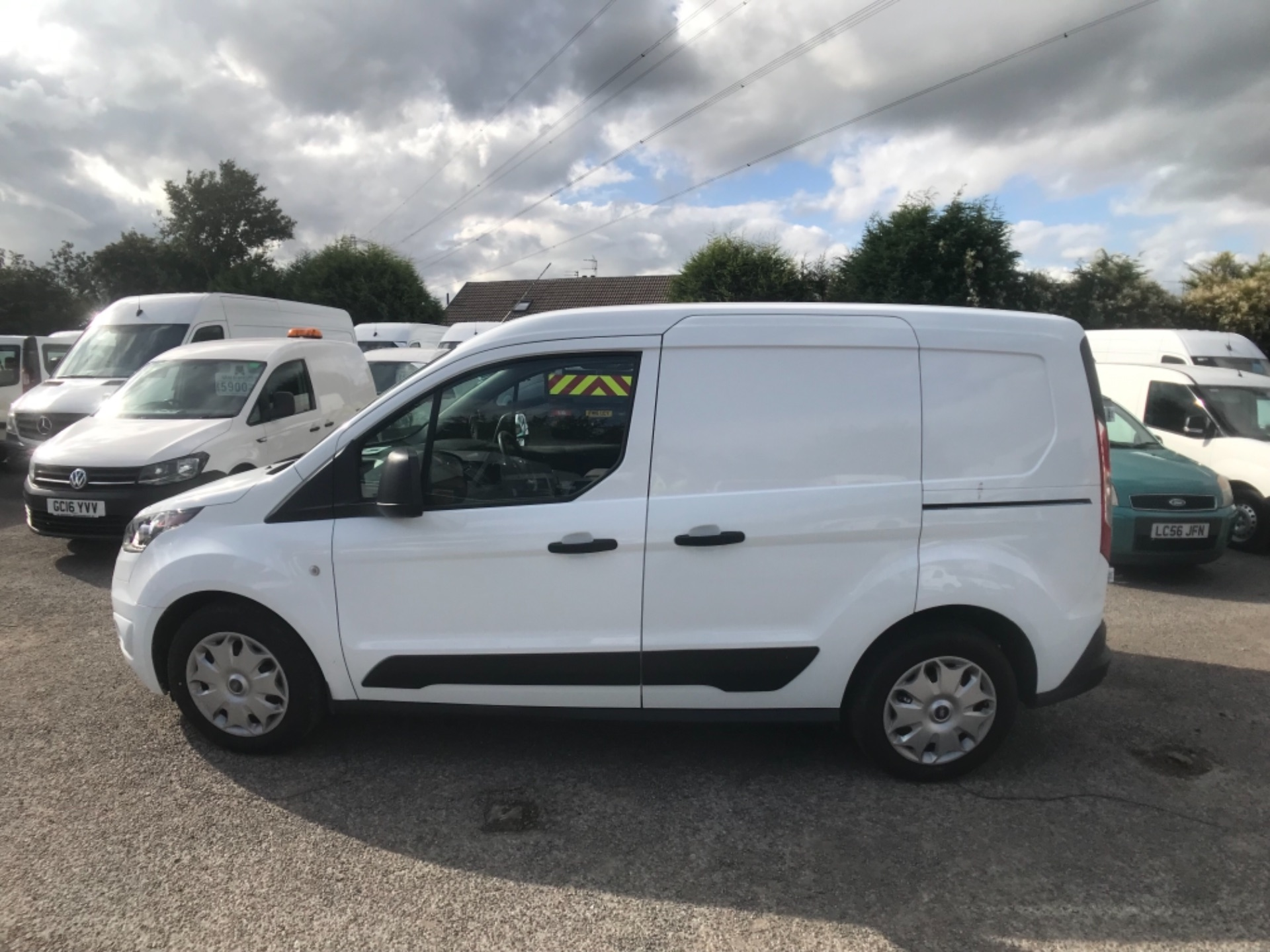 2017 Ford Transit Connect L1 200 1.0  100Ps Trend Van PETROL EURO 5 (SJ17NCH) Image 10