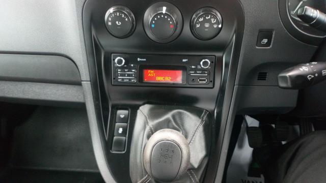 2017 Mercedes-Benz Citan 109Cdi Van (SJ17YVB) Image 17