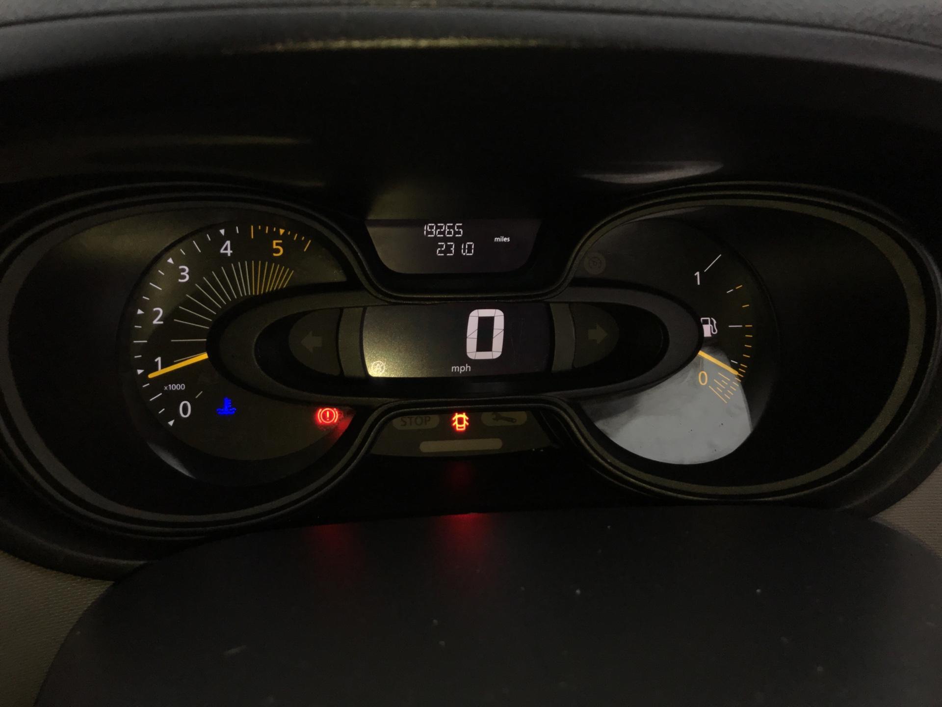 2015 Renault Trafic SWB SL27 ENERGY DCI 120 BUSINESS+ AIR CON EURO 5  (SJ65GYR) Image 13