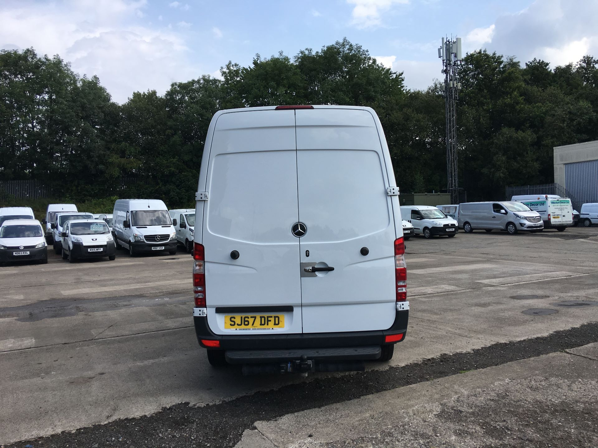 2017 Mercedes-Benz Sprinter 314 CDI MWB HIGH ROOF VAN EURO 6 (SJ67DFD) Image 11