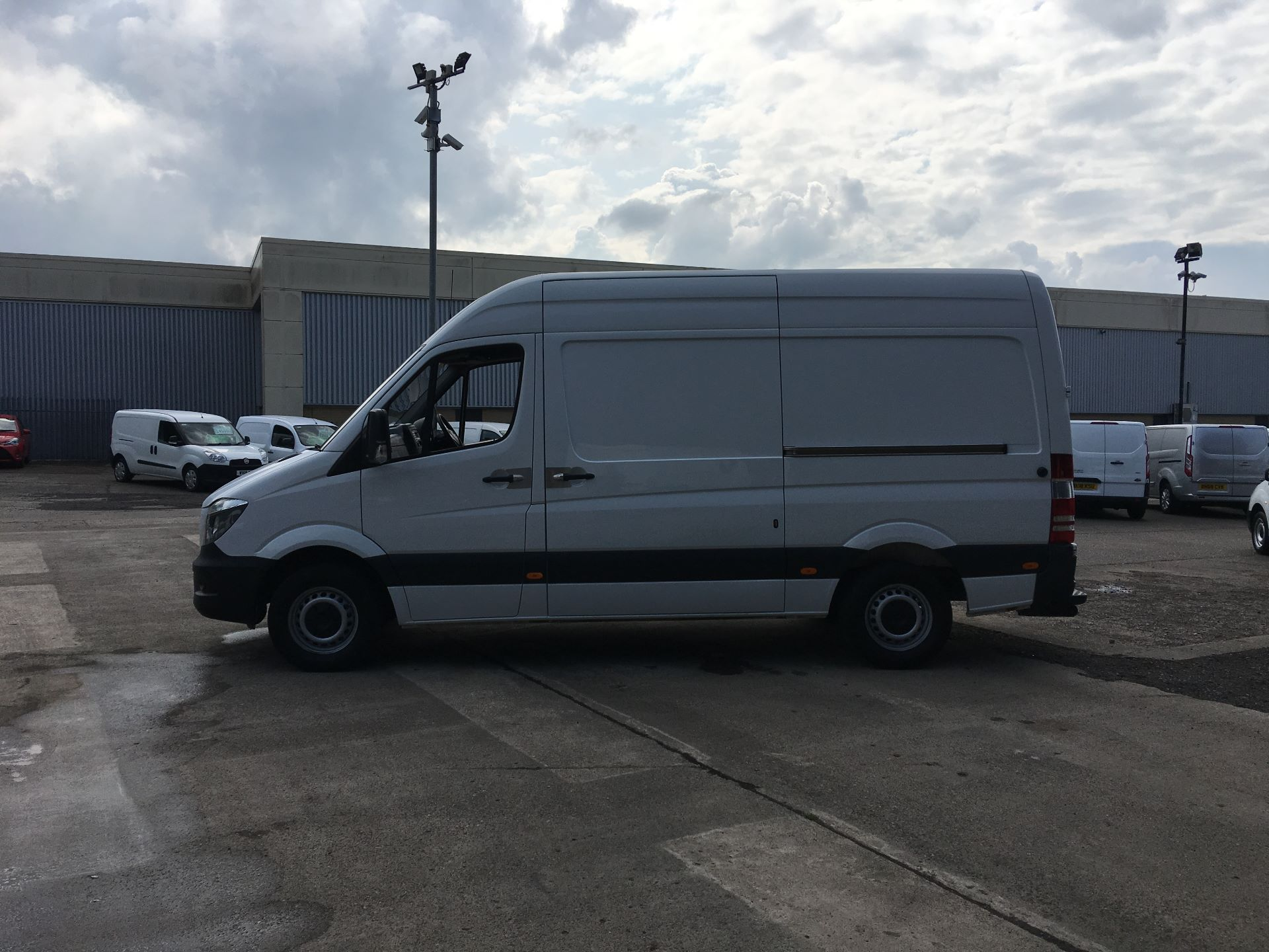 2017 Mercedes-Benz Sprinter 314 CDI MWB HIGH ROOF VAN EURO 6 (SJ67DFD) Image 13