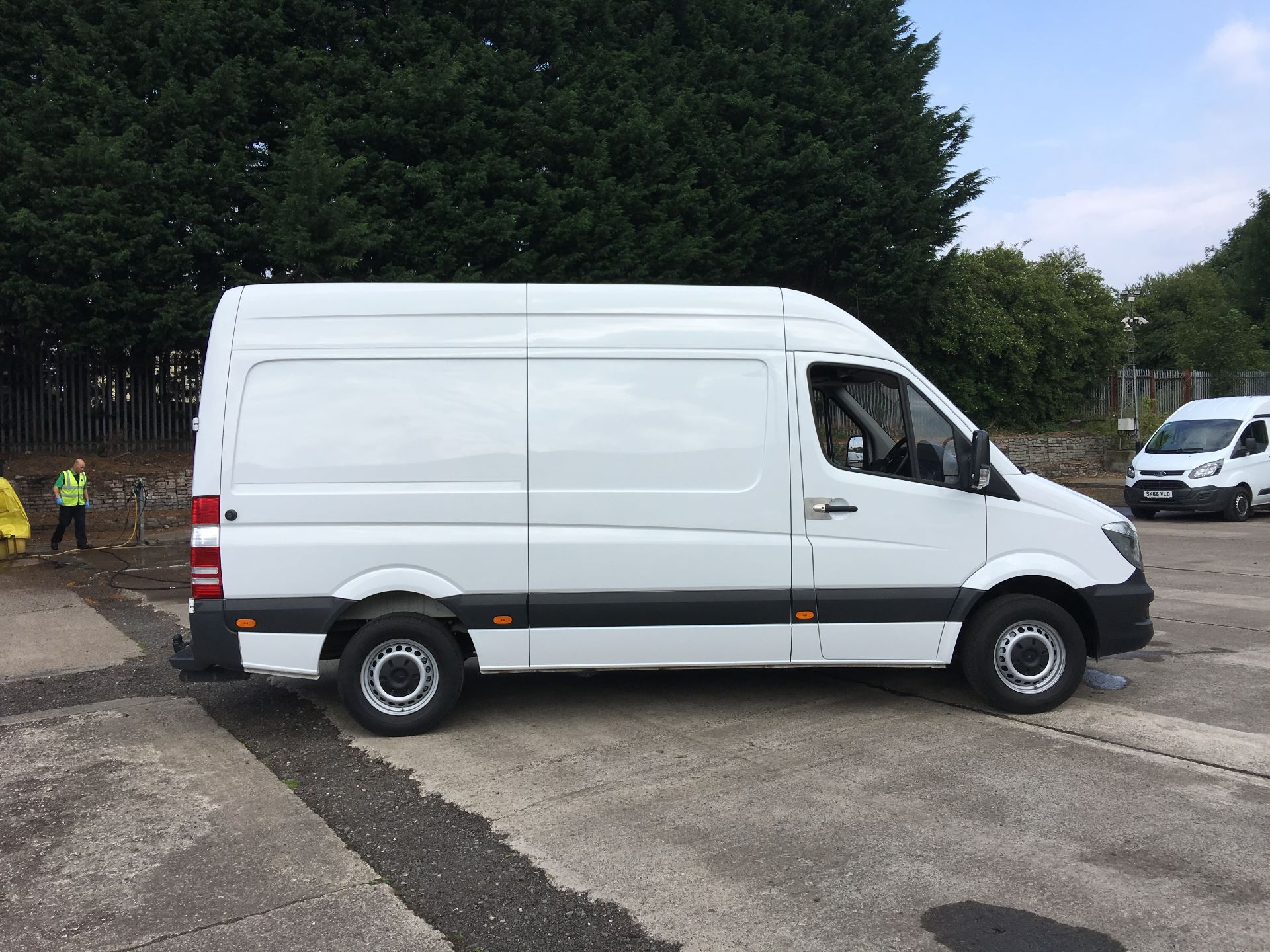 2017 Mercedes-Benz Sprinter 314 CDI MWB HIGH ROOF VAN EURO 6 (SJ67DFD) Image 9