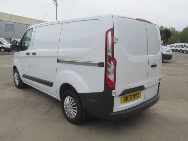 2015 Ford Transit Custom 270 2.2 Tdci 125Ps Low Roof Trend Van (SK15NYZ) Image 15