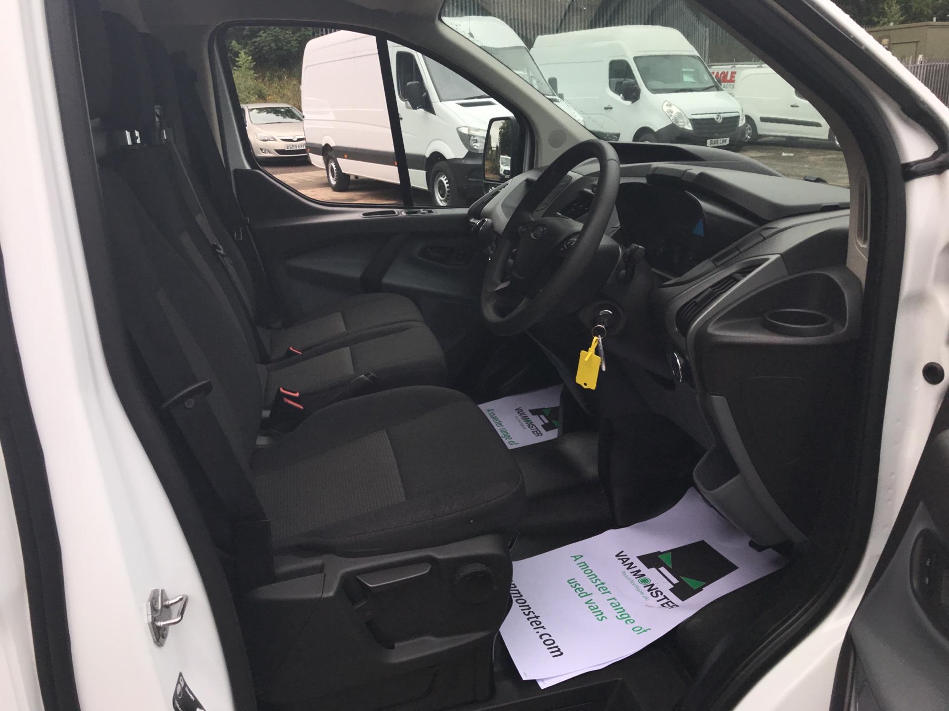 2017 Ford Transit Custom 270 L1 DIESEL FWD 2.2 TDCI 105PS LOW ROOF VAN EURO 5 (SK17ZYG) Image 9