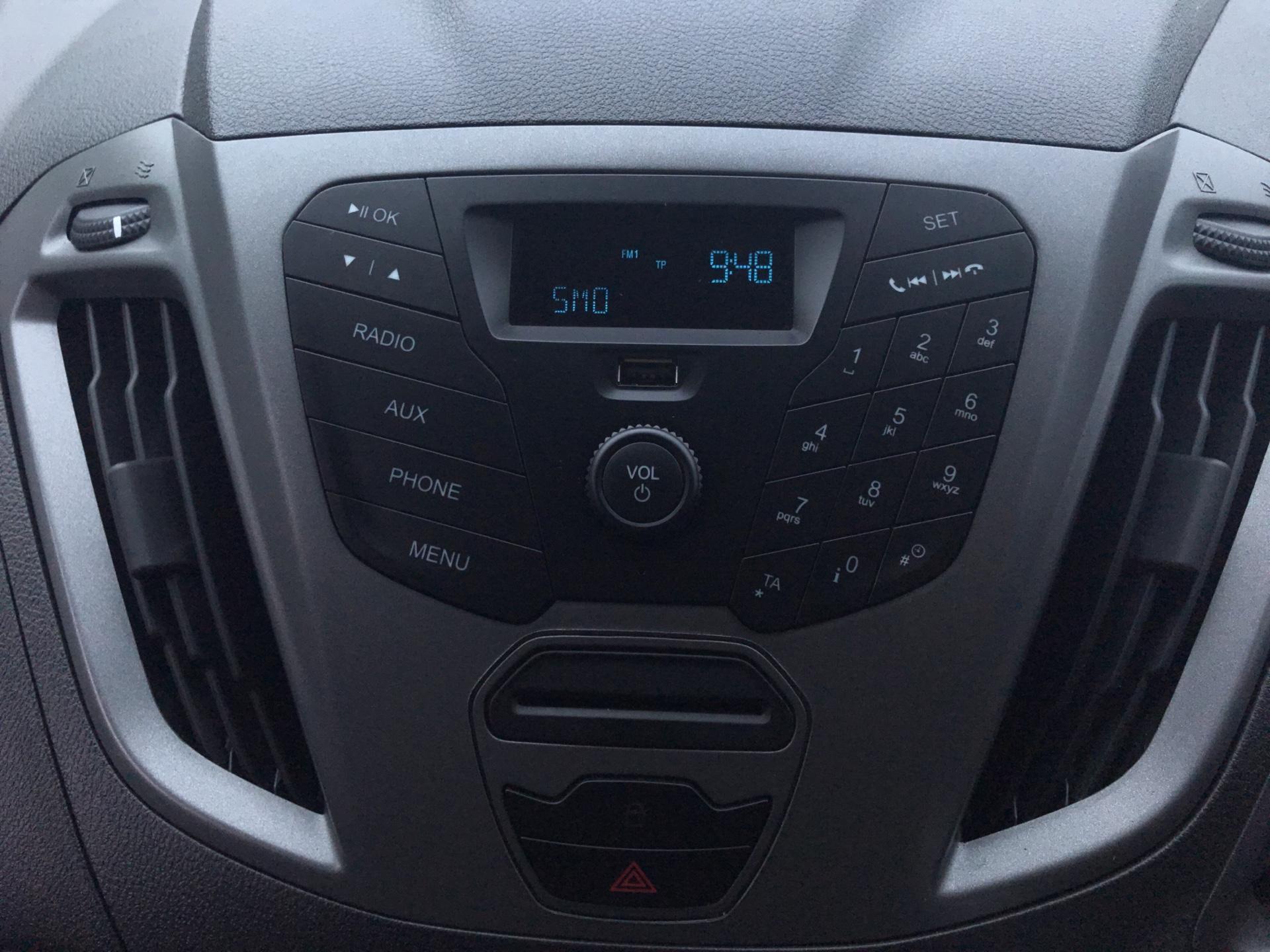 2017 Ford Transit Custom 270 L1 DIESEL FWD 2.2 TDCI 105PS LOW ROOF VAN EURO 5 (SK17ZYG) Image 10