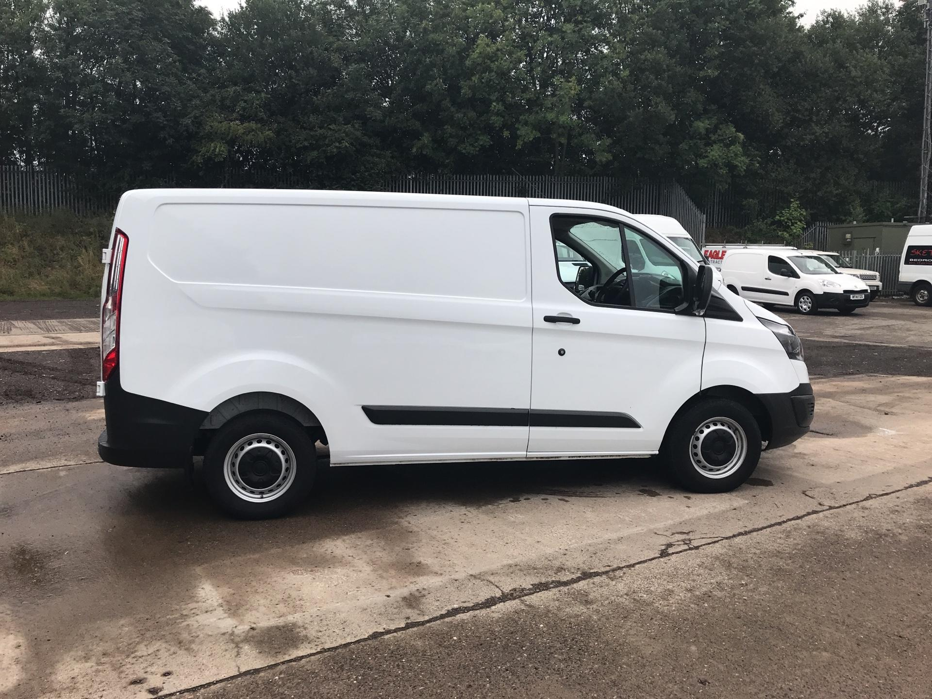 2017 Ford Transit Custom 270 L1 DIESEL FWD 2.2 TDCI 105PS LOW ROOF VAN EURO 5 (SK17ZYG) Thumbnail 2