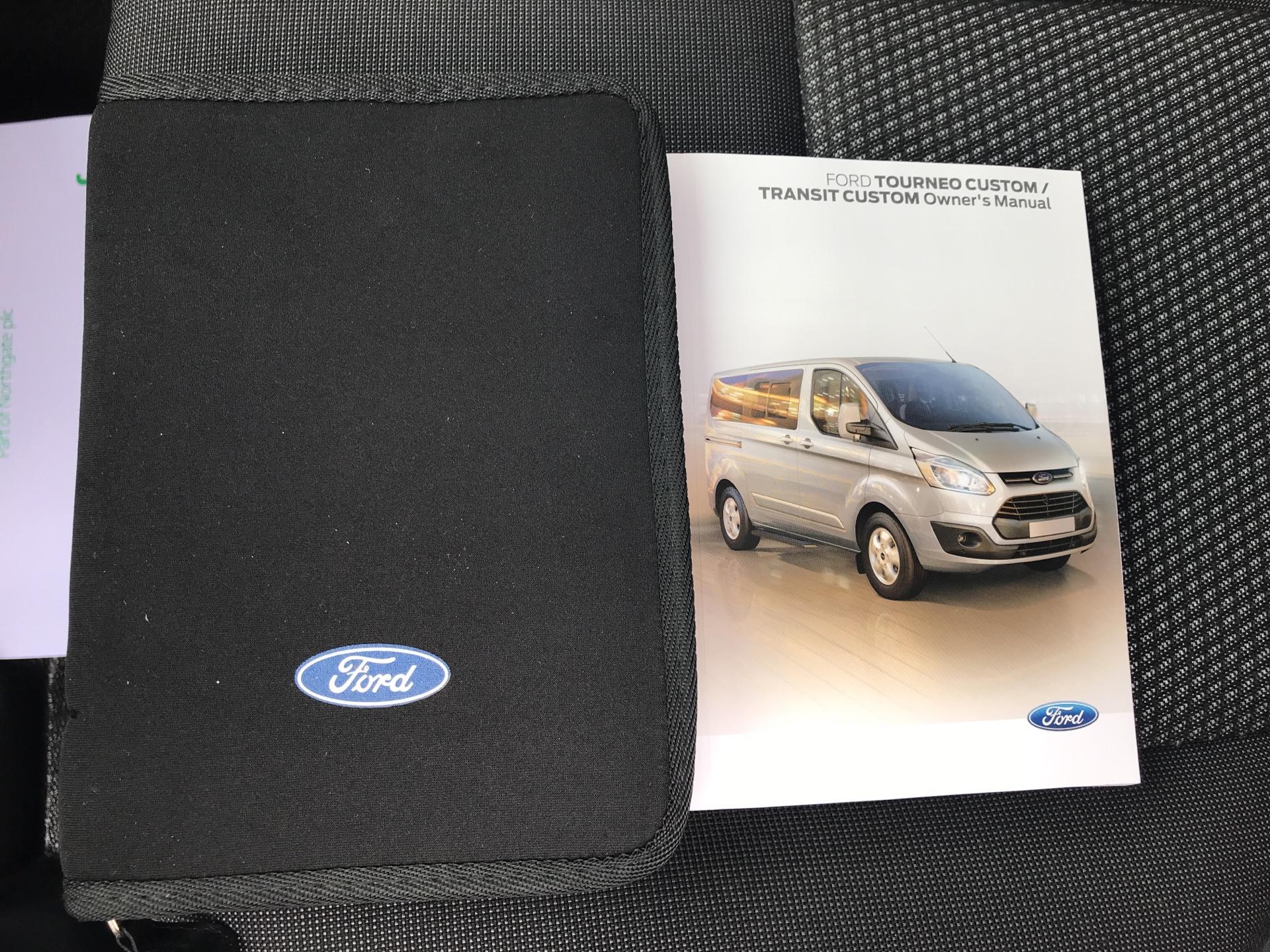 2017 Ford Transit Custom 270 L1 DIESEL FWD 2.2 TDCI 105PS LOW ROOF VAN EURO 5 (SK17ZYG) Image 19