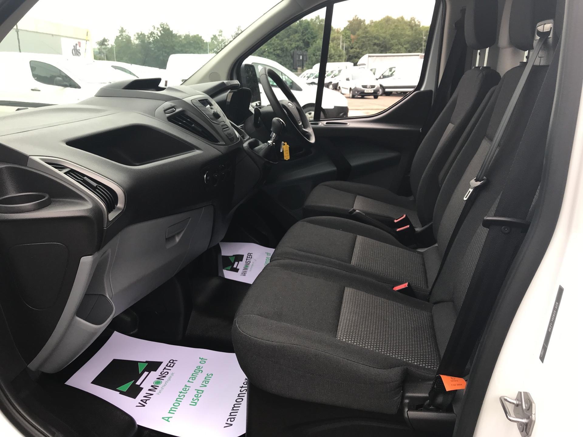 2017 Ford Transit Custom 270 L1 DIESEL FWD 2.2 TDCI 105PS LOW ROOF VAN EURO 5 (SK17ZYG) Image 14