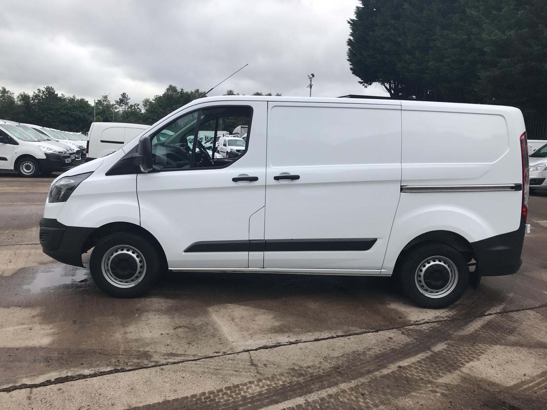 2017 Ford Transit Custom 270 L1 DIESEL FWD 2.2 TDCI 105PS LOW ROOF VAN EURO 5 (SK17ZYG) Thumbnail 6