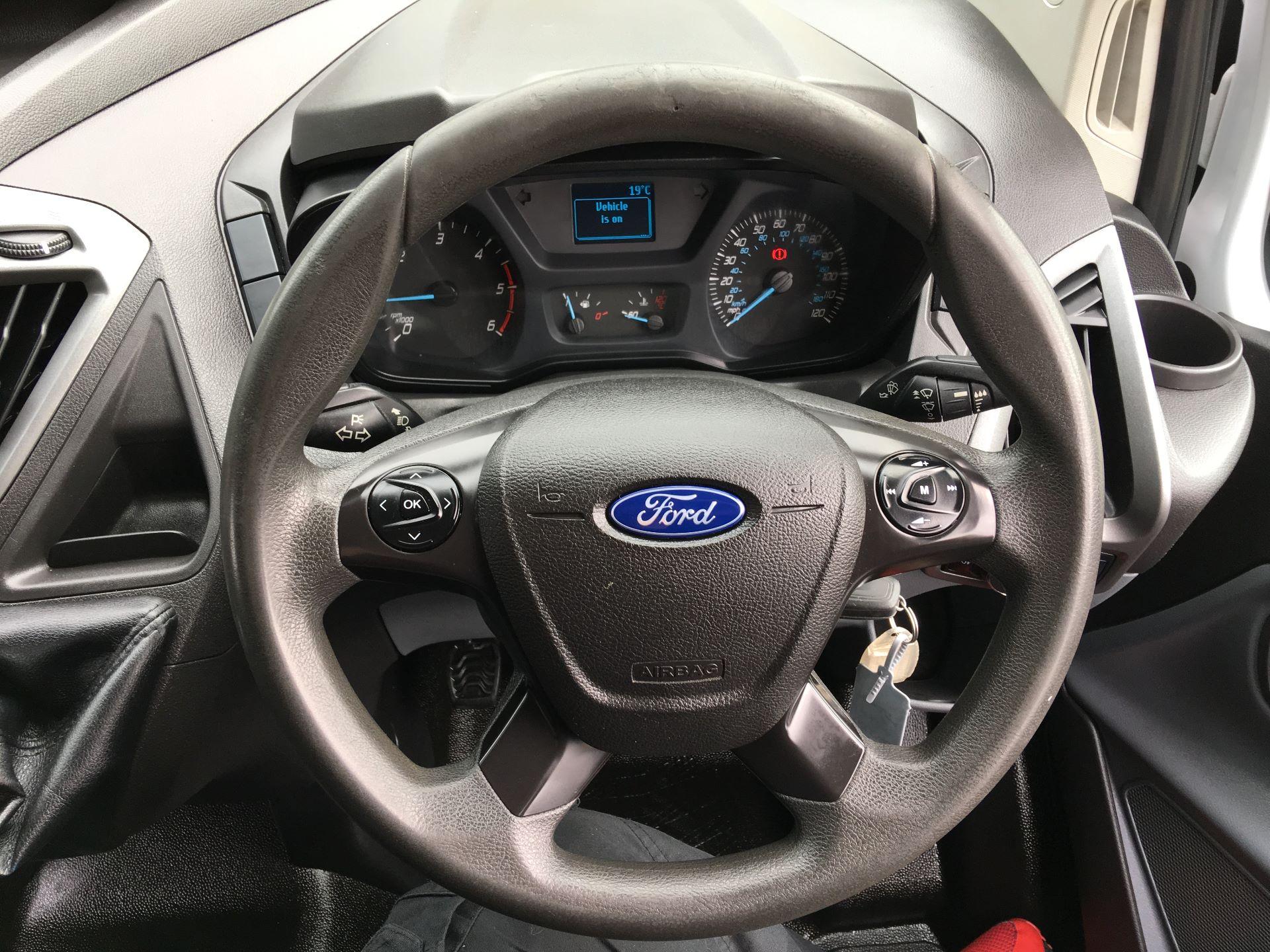 2016 Ford Transit Custom 290 L1 DIESEL FWD 2.0 TDCI 105PS HIGH ROOF VAN EURO 6 (SK66VKG) Image 5