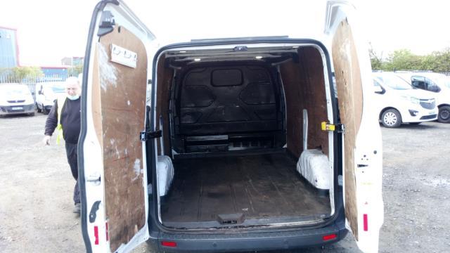 2016 Ford Transit Custom 2.0 Tdci 130Ps Low Roof Trend Van (SL66ZKG) Image 17