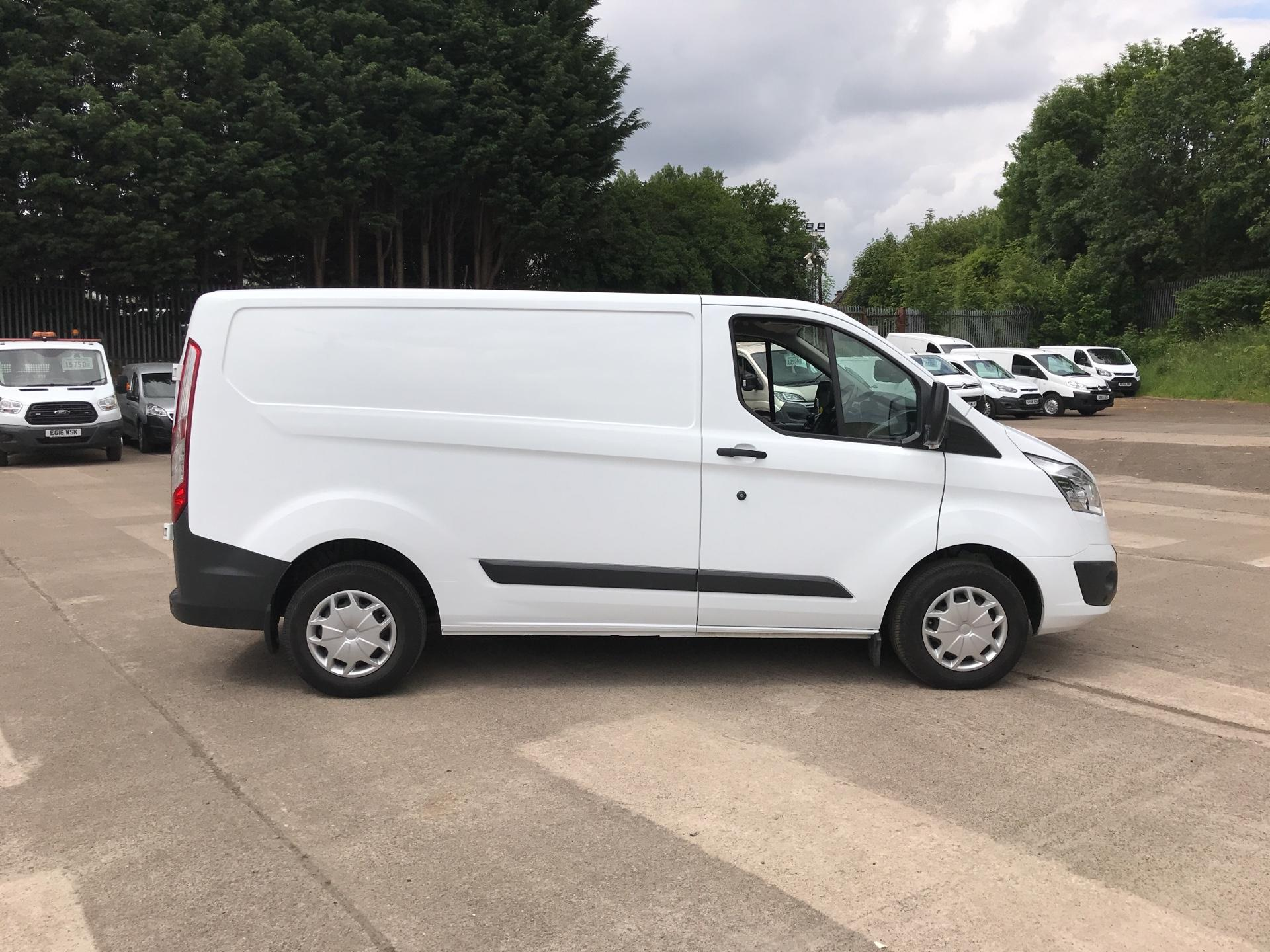 2016 Ford Transit Custom 270 L1 DIESEL FWD 2.0 TDCI 130PS LOW ROOF TREND EURO 6 (SL66ZKJ) Thumbnail 2