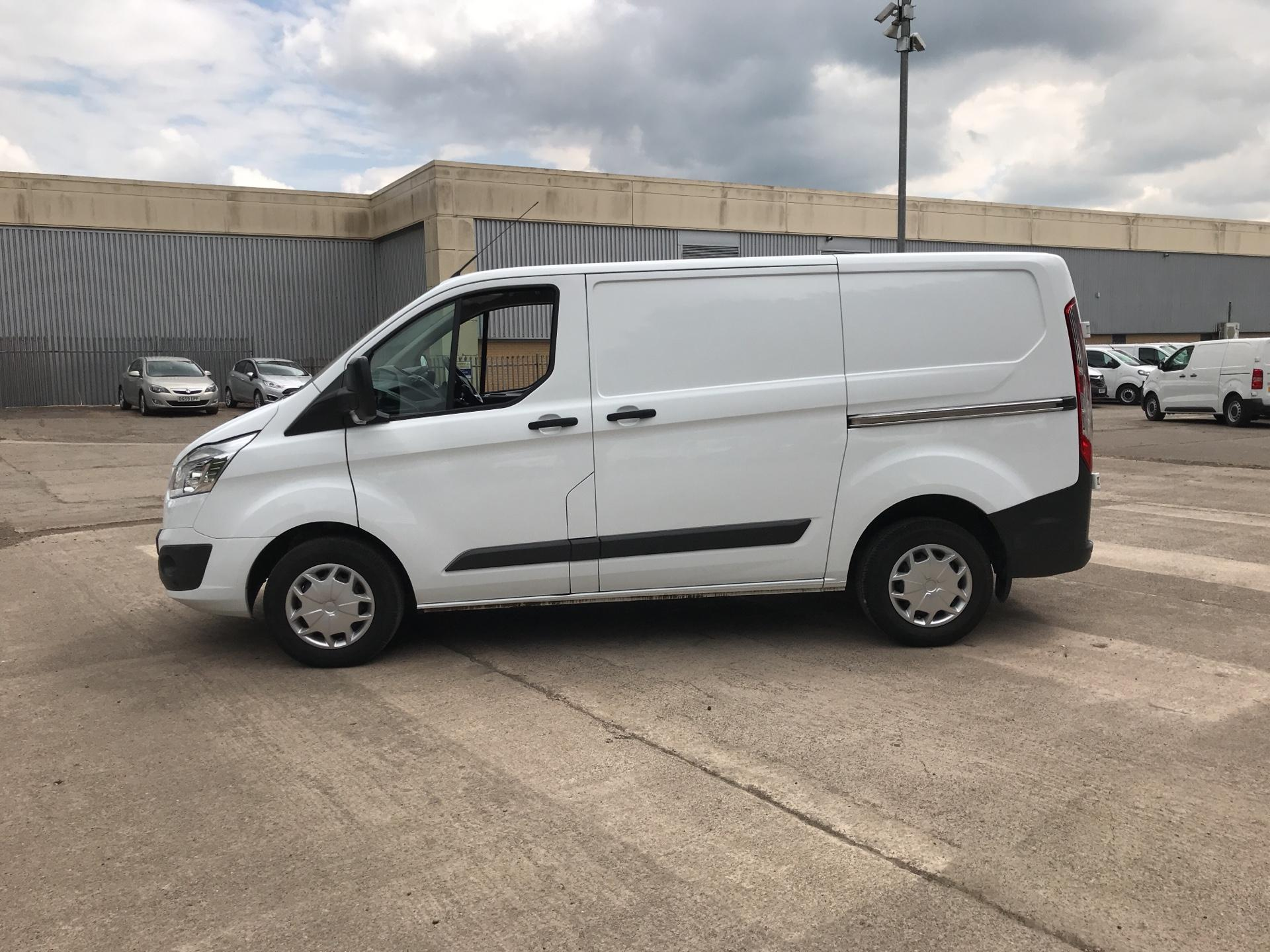 2016 Ford Transit Custom 270 L1 DIESEL FWD 2.0 TDCI 130PS LOW ROOF TREND EURO 6 (SL66ZKJ) Thumbnail 6